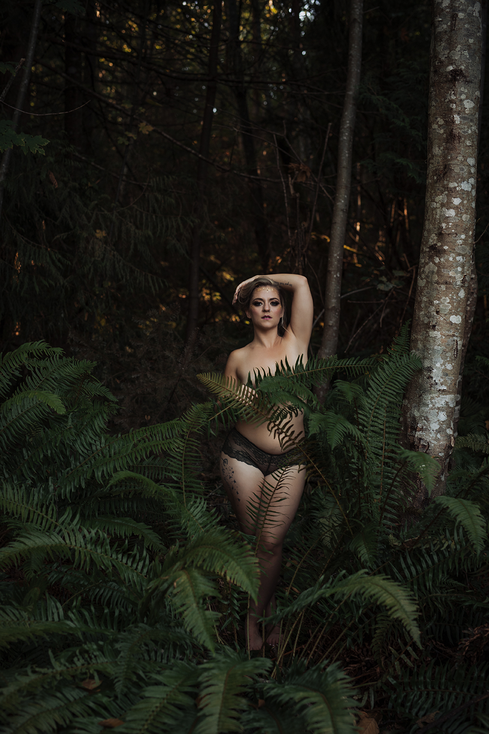 Victoria-BC-Outdoor-Boudoir-Moss-Photography-130.jpg