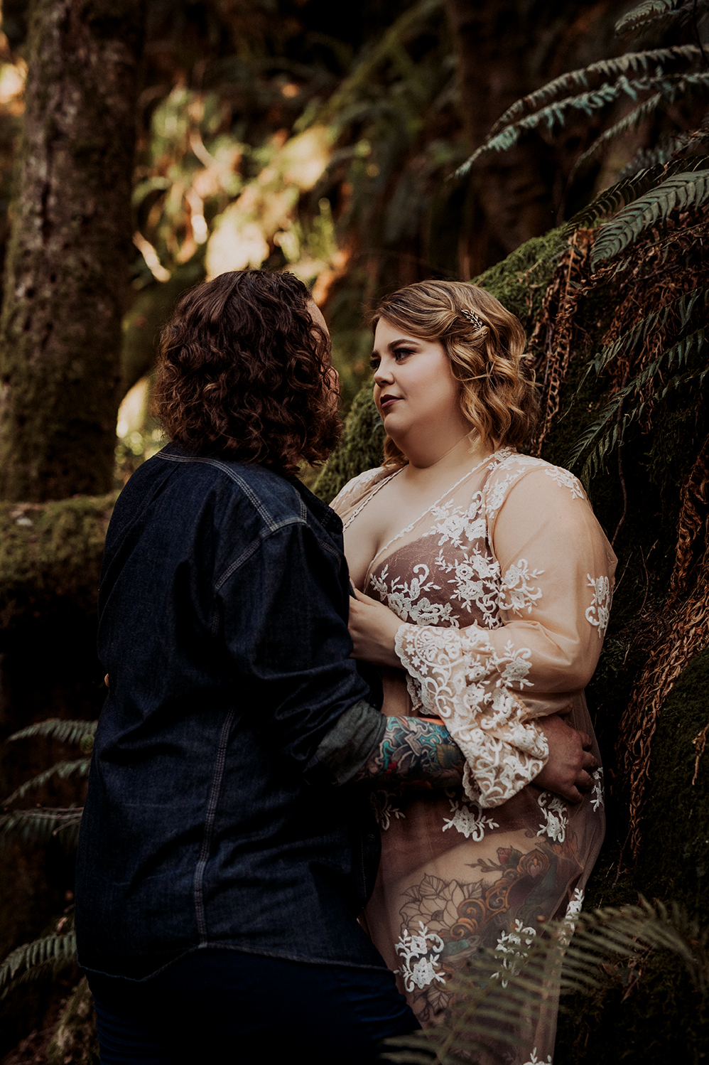 Vancouver-Island-Couples-Boudoir-Moss-Photography-13.jpg