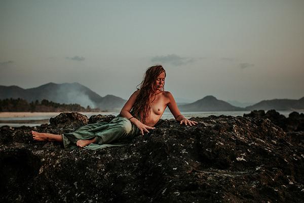 Bali-Destination-Boudoir-Moss-Photography-13.jpg