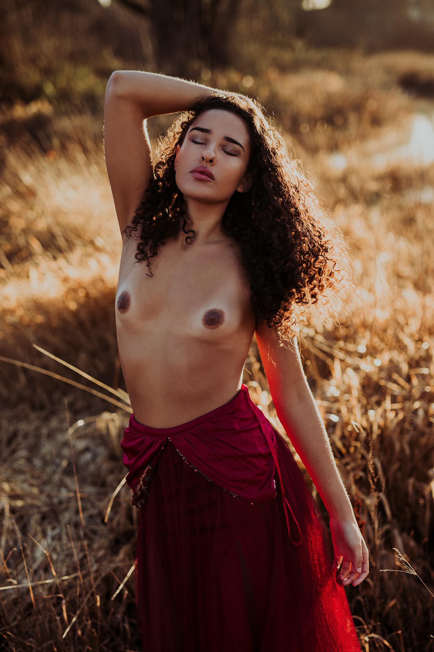 victoria-bc-outdoor-boudoir-photography-4.jpg