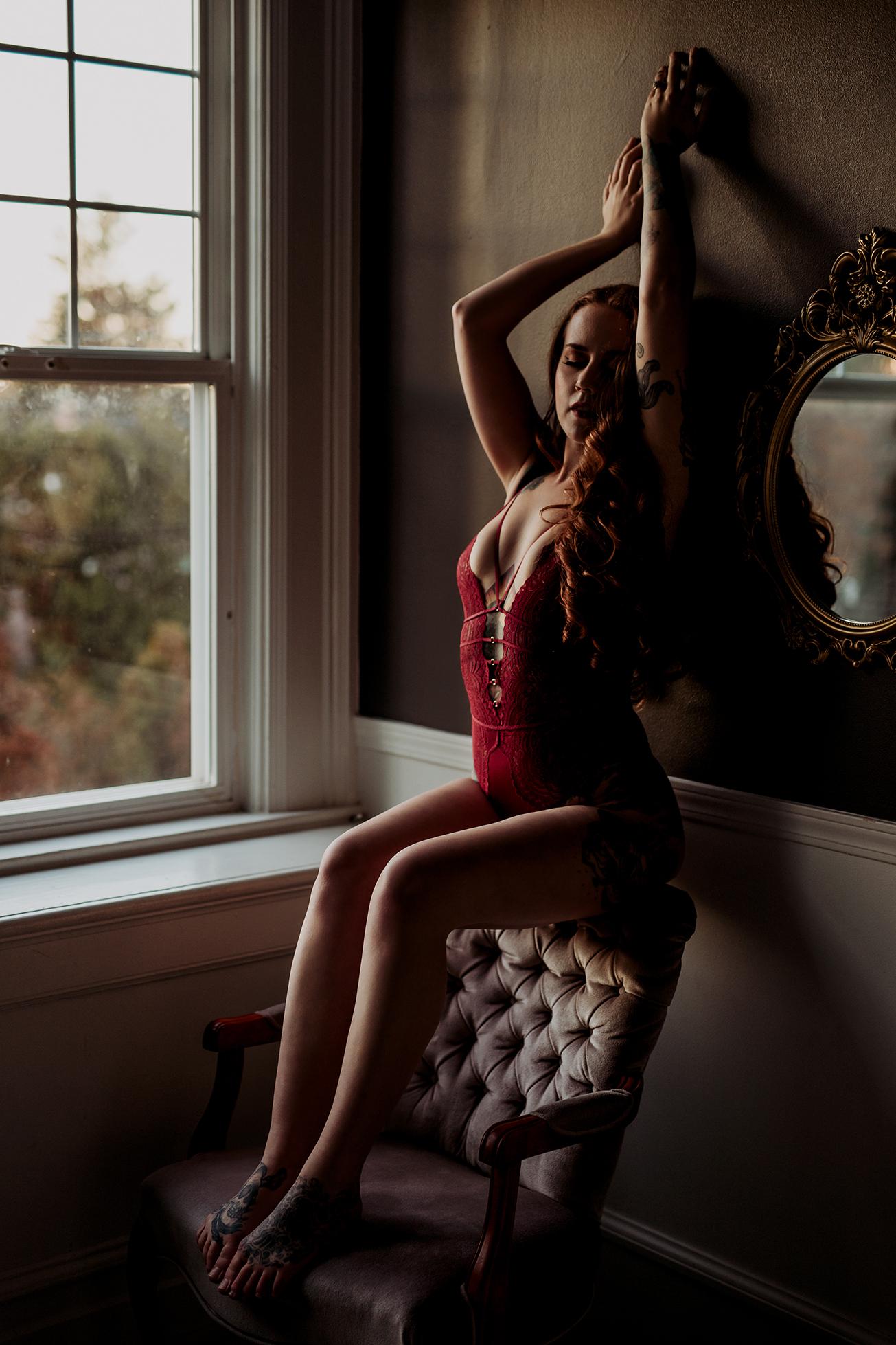 Victoria-BC-Boudoir-Moss-Photography_-26c.jpg