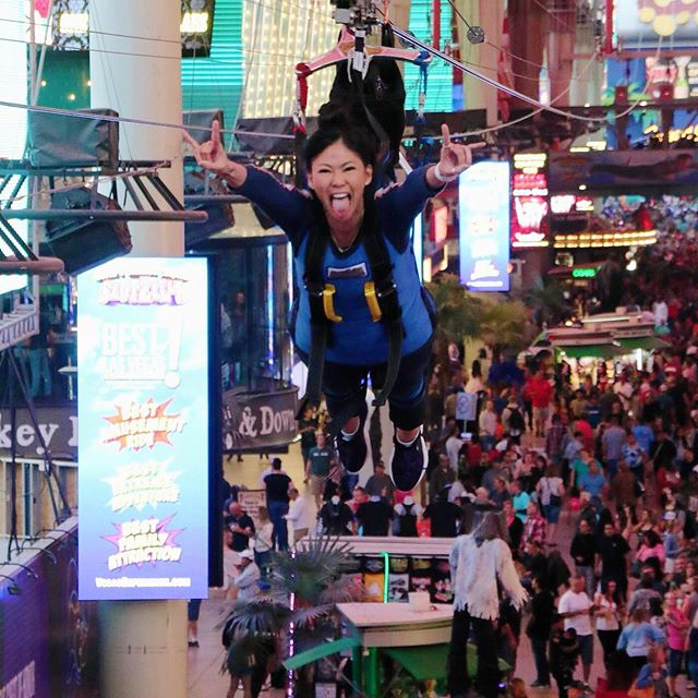 Flying into the week like... Yeah, I know it's Tuesday... but my brain is still back in Vegas from Saturday's @slotzilla - 11 stories up and flying down Fremont street with @themattwatts (his idea). Even though I'm afraid of heights, from the photos I'm sure you can tell I had a blast. ##thingstodoinvegas #slotzilla