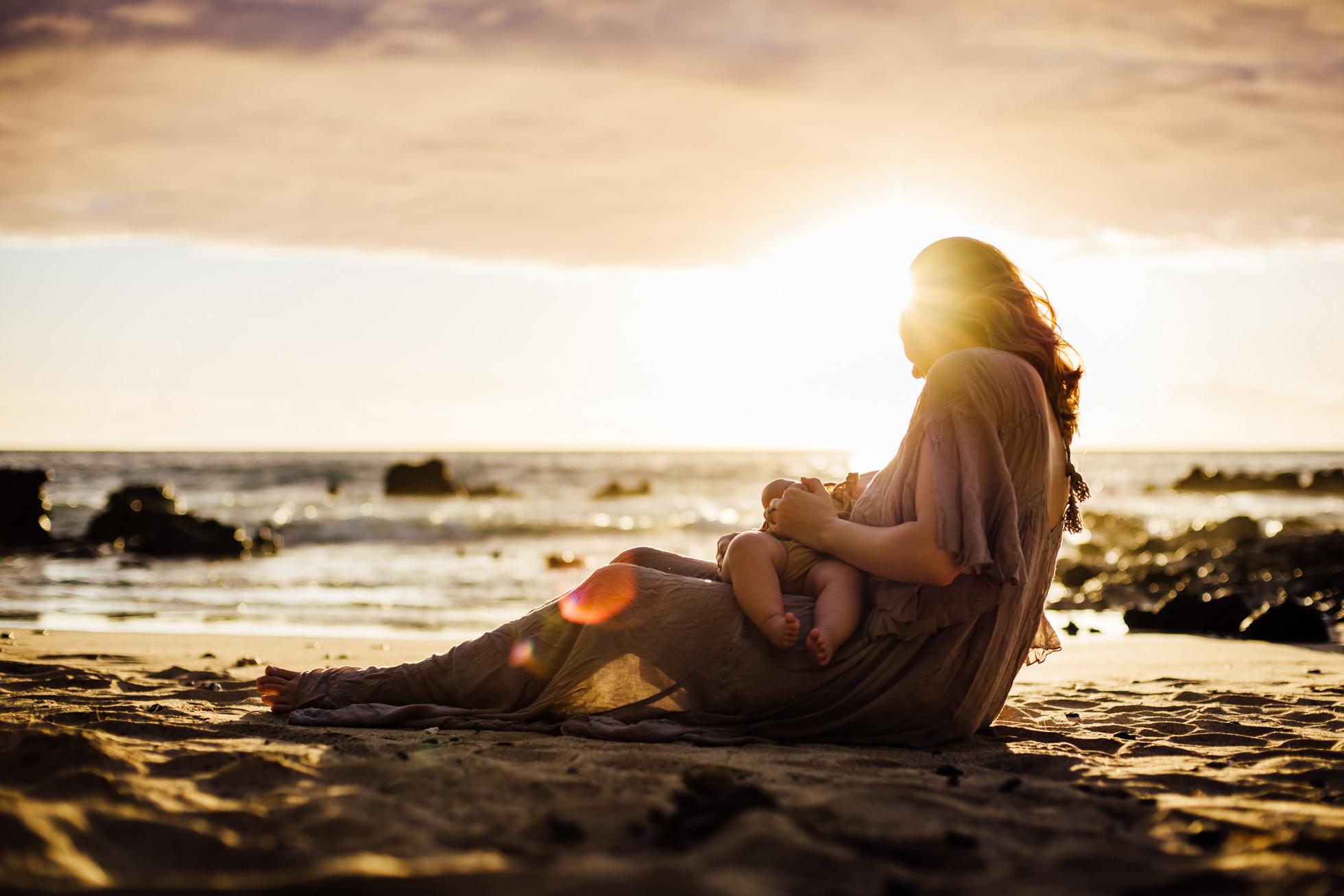 Breastfeeding in Hawaii, Family Photography