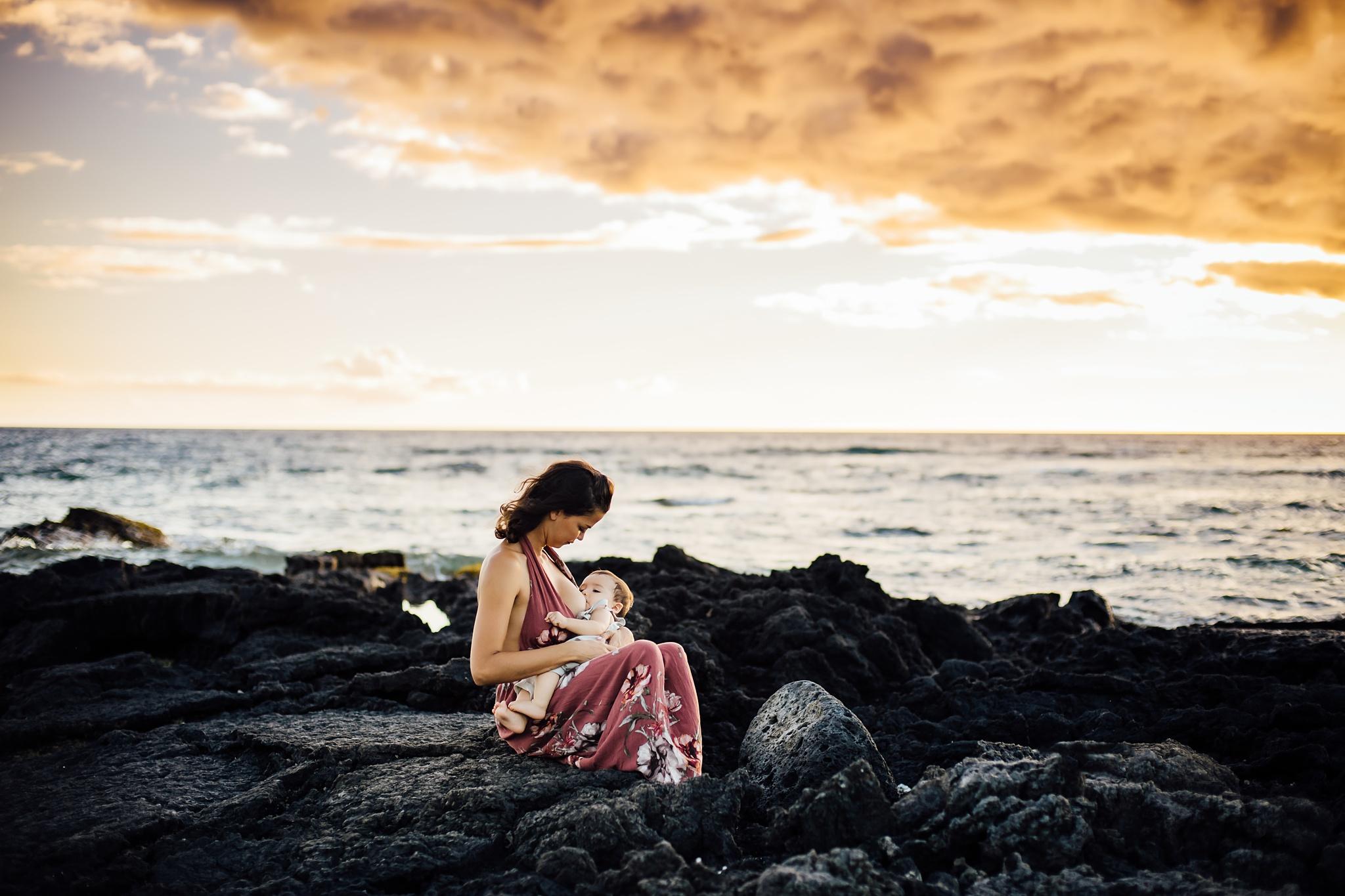 Hawaii motherhood session