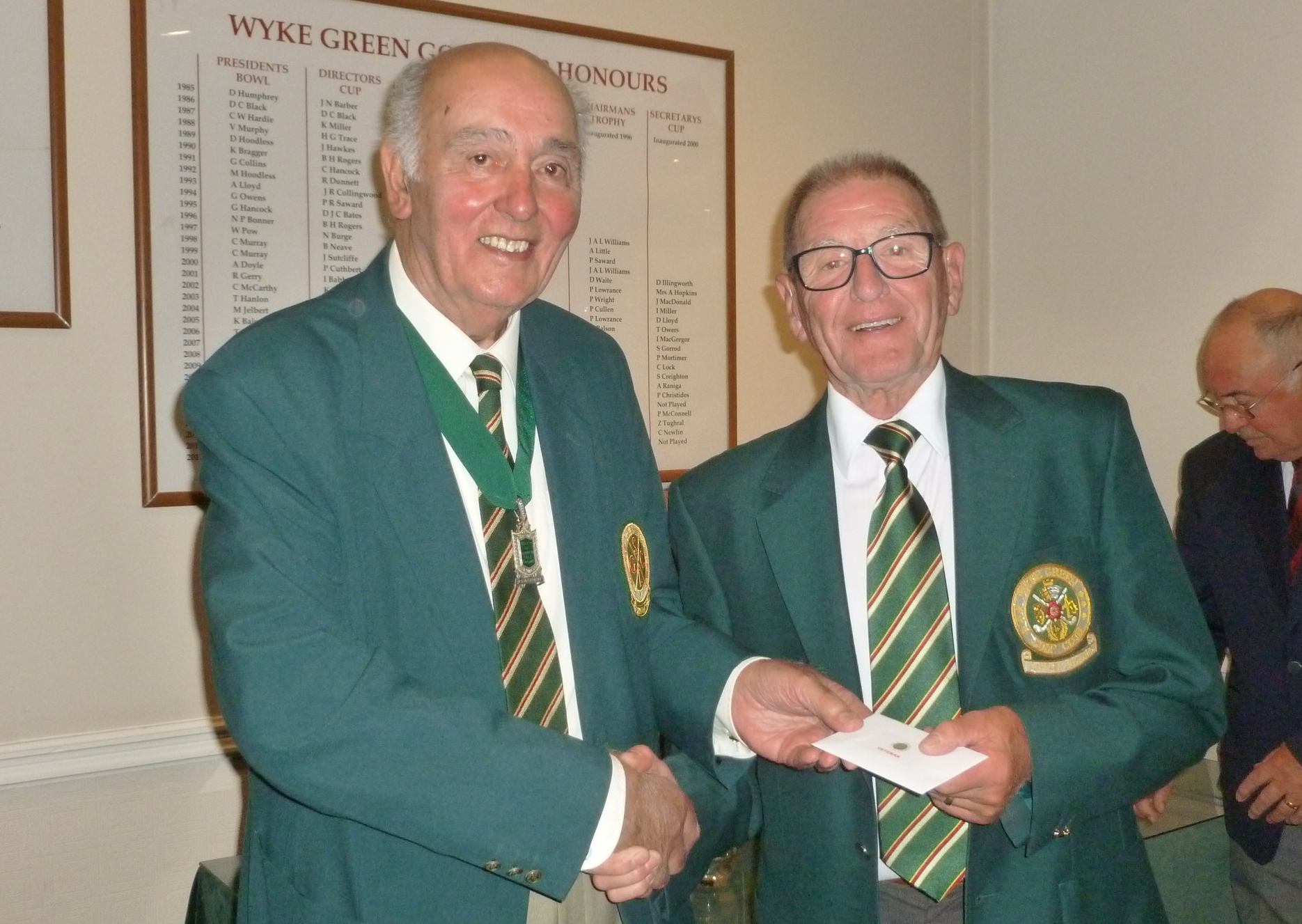 President Harry Judd presenting Andy Soutar, Wyke Green Golf Club with his prize for the best Veteran player.