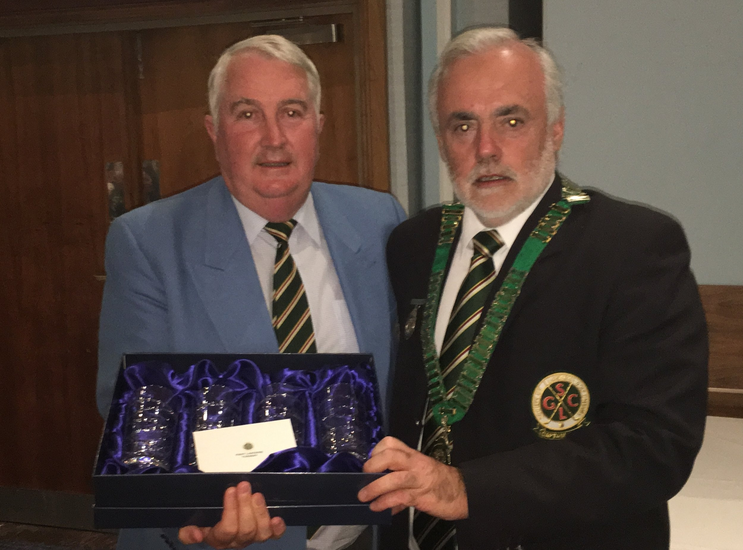 Frank Moloney Bexleyheath Golf Club receiving his prize as winner at the Lakes Course on Tuesday