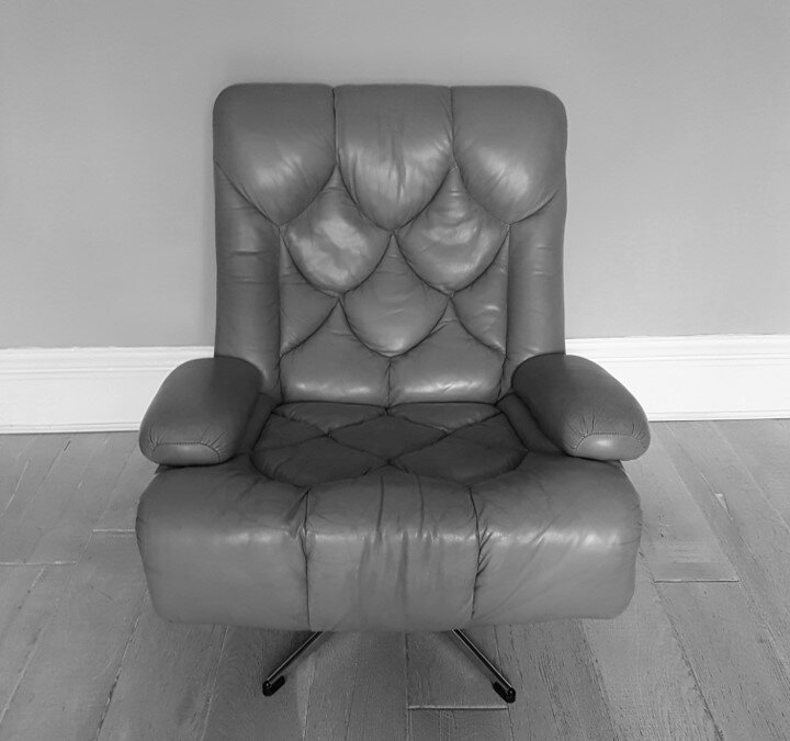chair - front.jpg