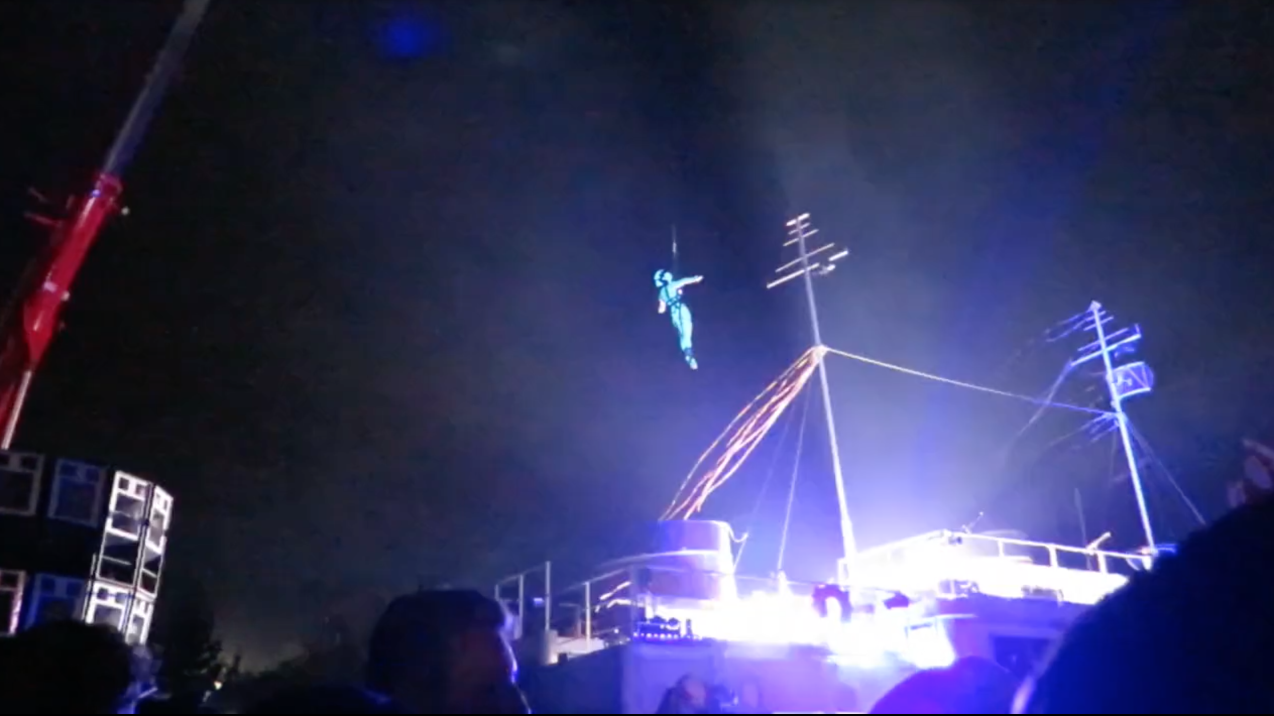 Starship Bestival 01.png
