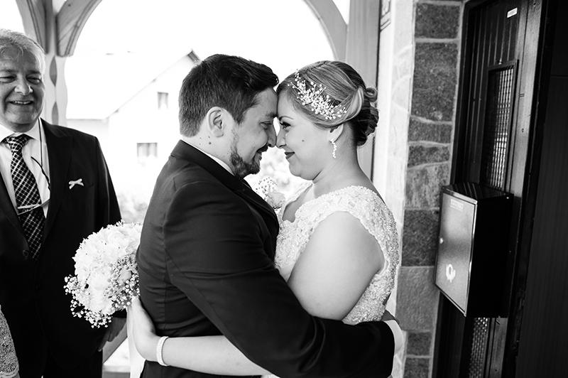 Ana_Miha_Wedding_Otocec_Slovenija_5.7.2014-34.jpg