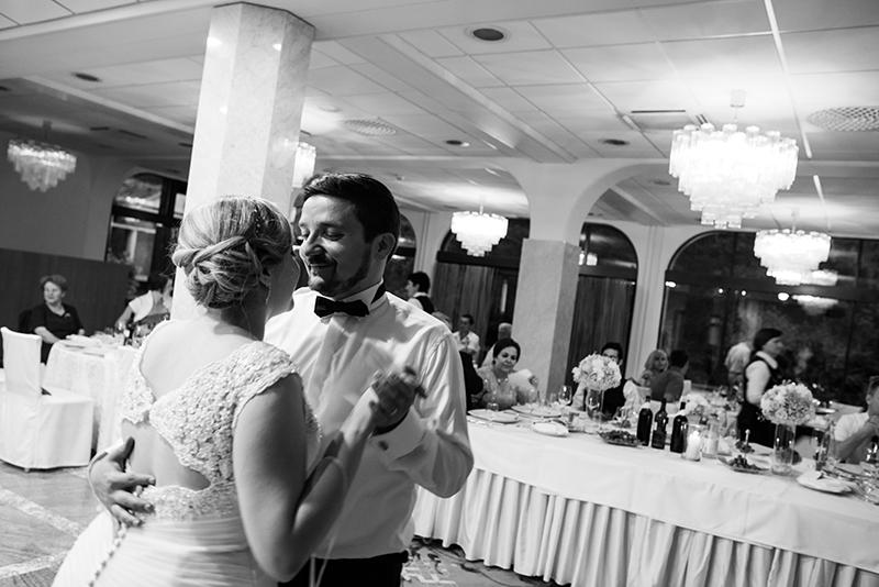 Ana_Miha_Wedding_Otocec_Slovenija_5.7.2014-177.jpg