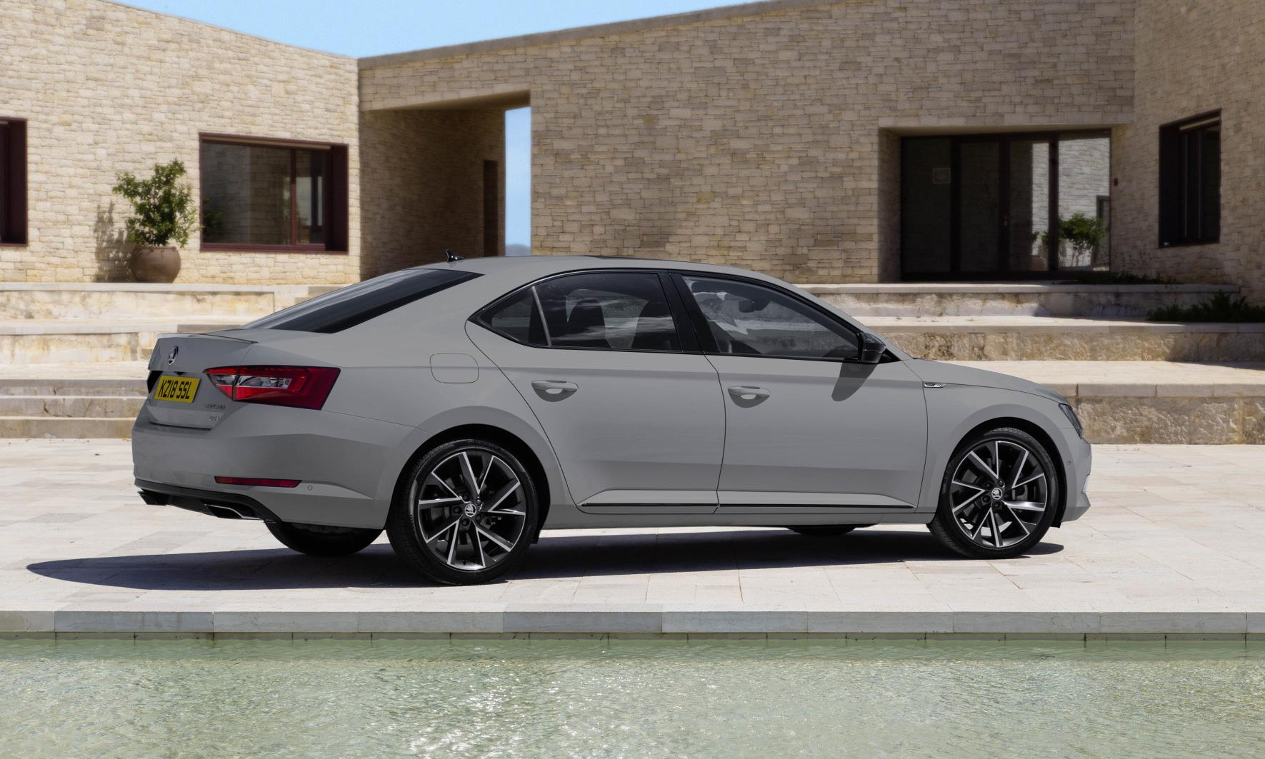 New SKODA Superb Sportline rear.jpg