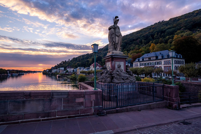 heidelberg-alte-bruecke-statue-sonnenuntergang-daniel-wohlleben.jpg