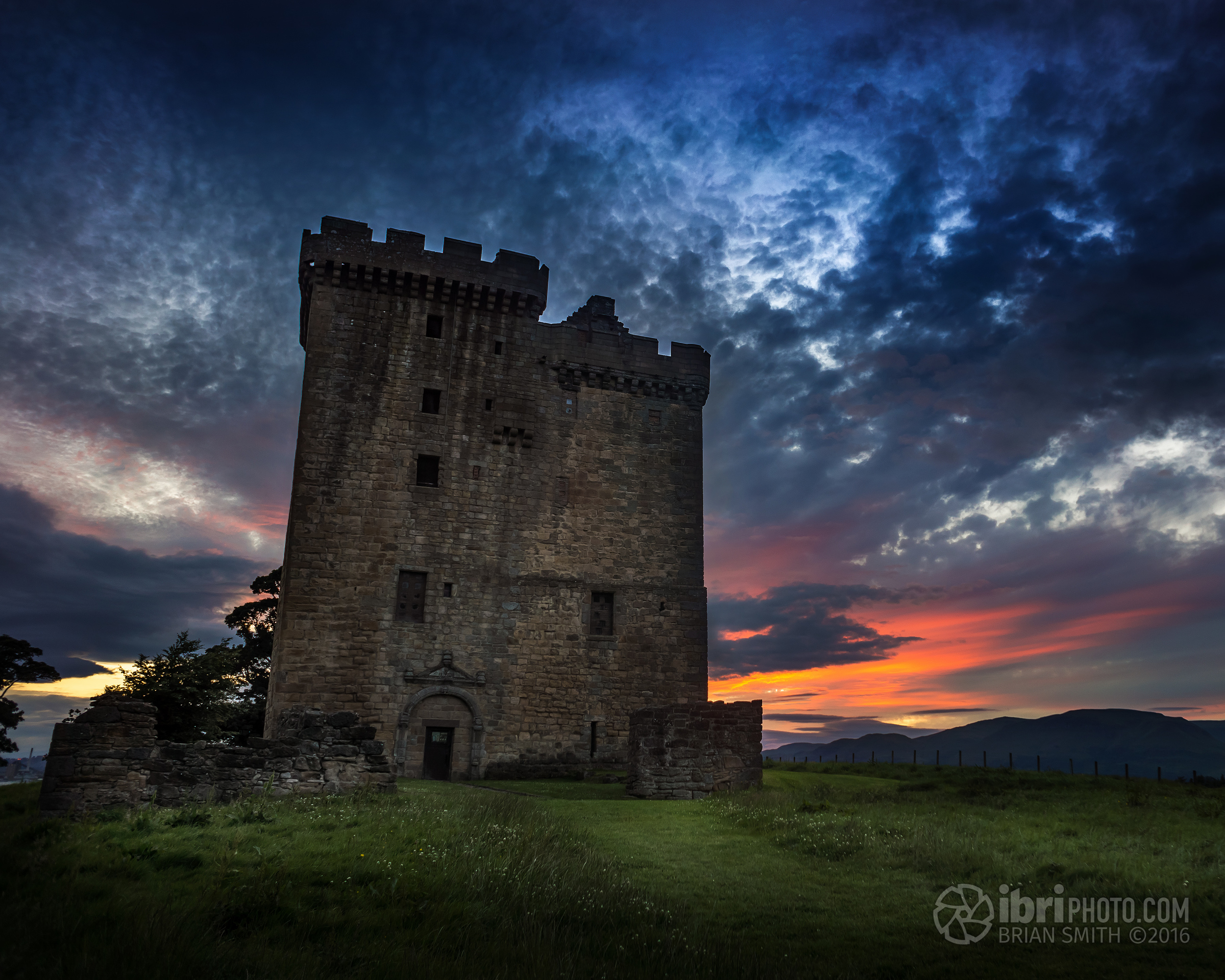 More info on from Historic Scotland / Historic Environment Scotland -  Clackmannan Tower