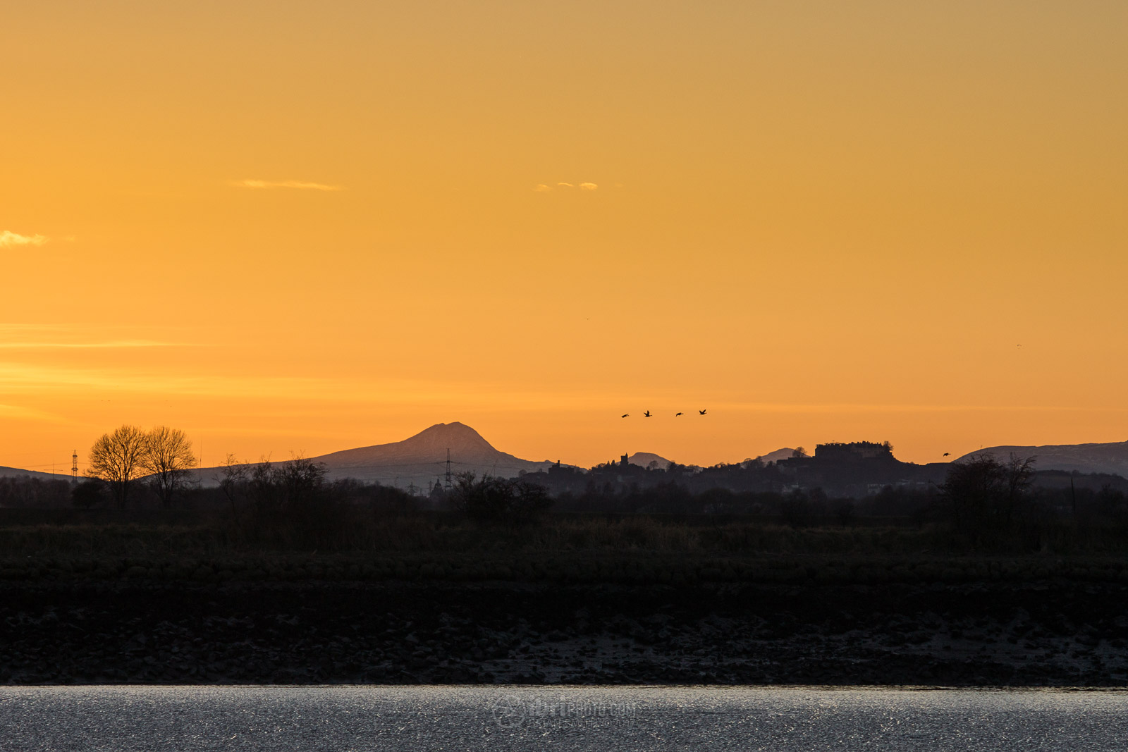 Ben Lomond and Stirling Castle from South Alloa, Stirlingshire.Sony Nex 7 - Miranda 24mm f2.8 (legacy lens) - 1/640 - f5.6 - ISO400