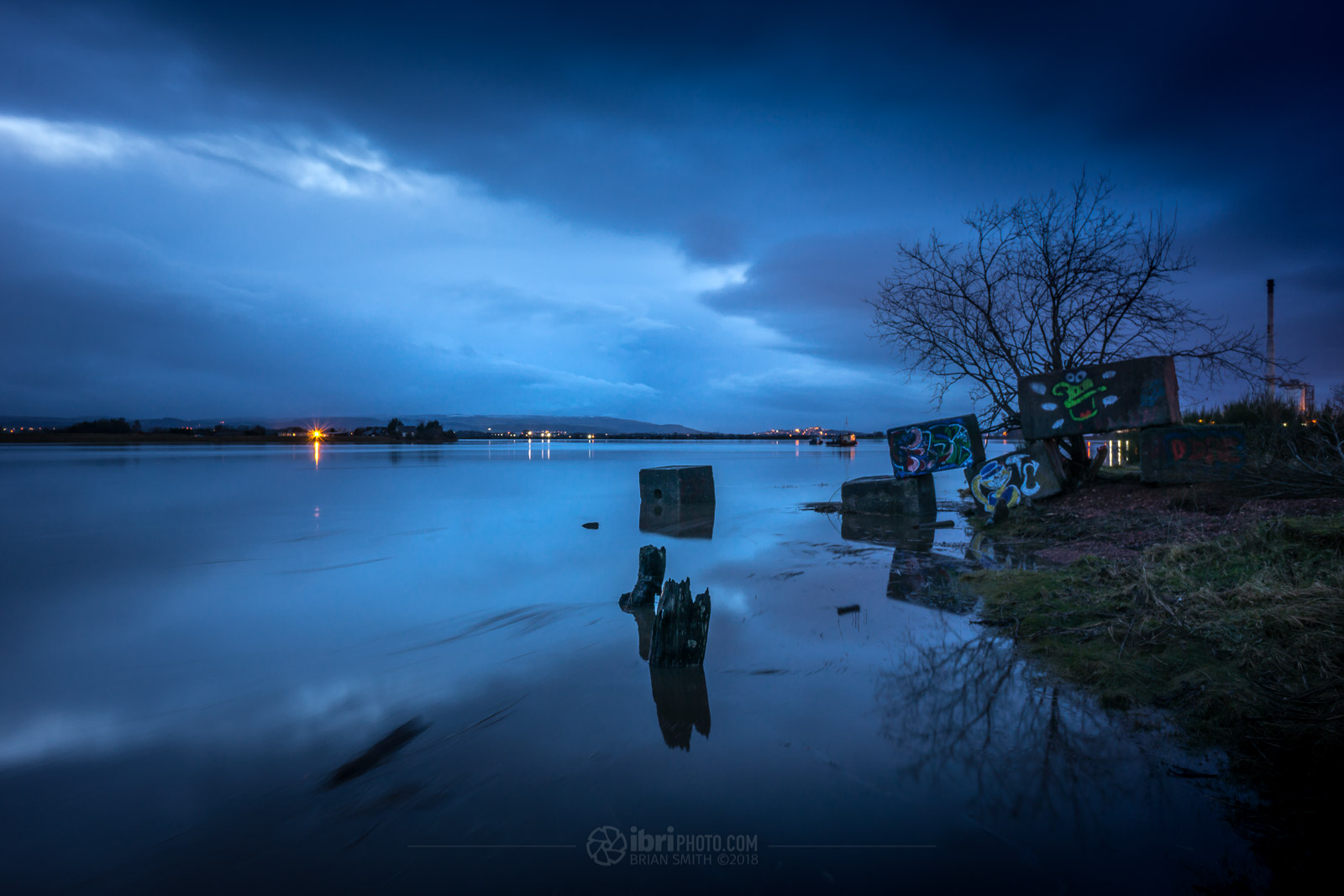 A combination of the full moon just passed and lots of water in the Forth caused a fair bit of flooding down at The Shore this afternoon (Jan 3rd 2018). Near the entrance of the old dock.