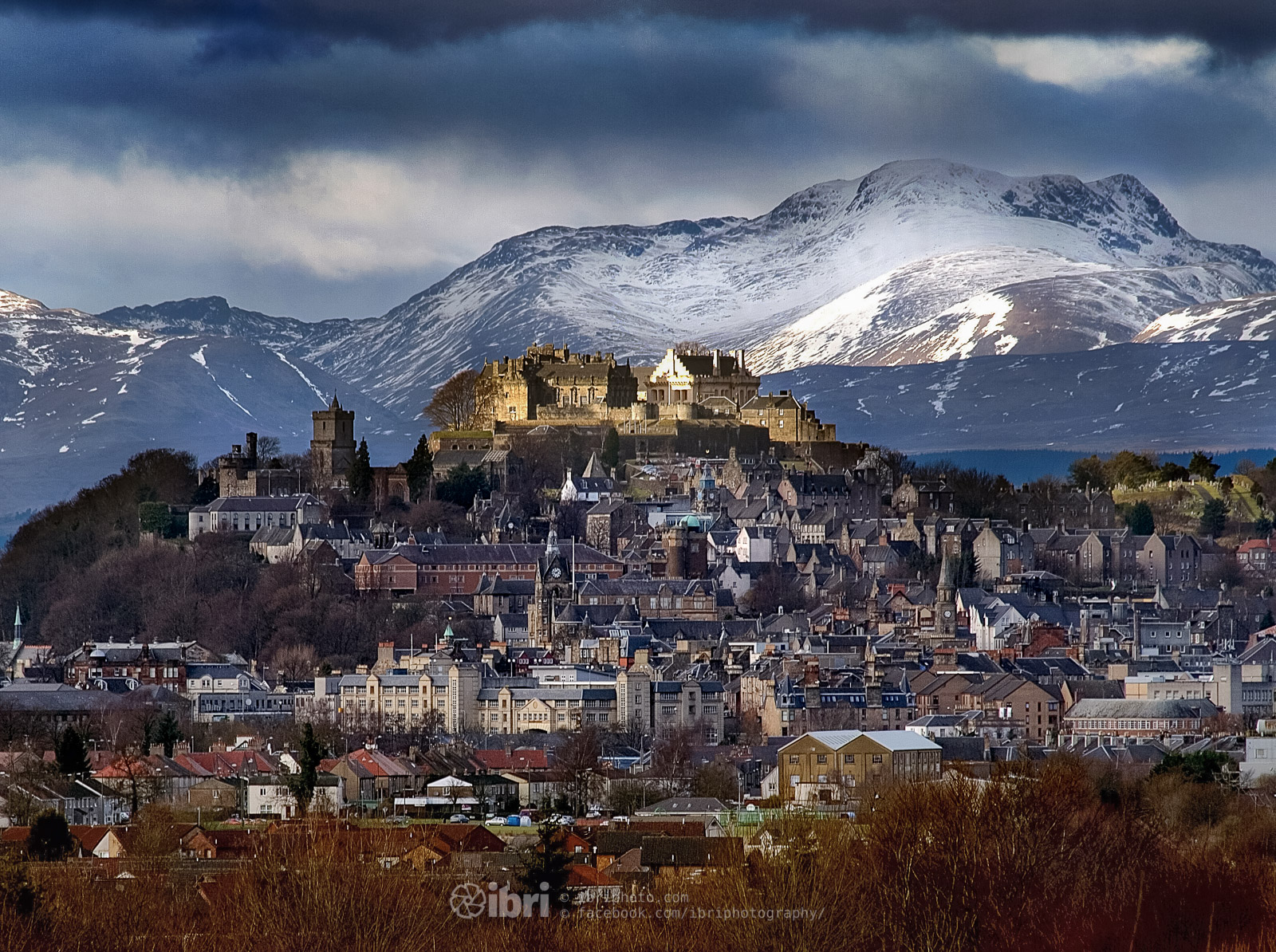 Stirling Castle and Stuc a Chroin. Yes, that mountain IS there.