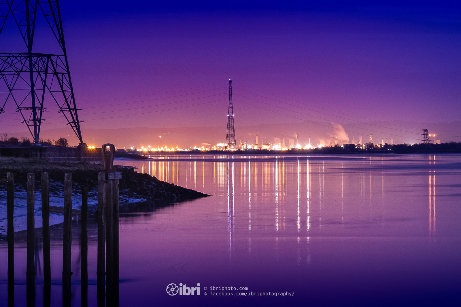 Lookin east from the harbour towards the hive of industry up river at Grangemouth.