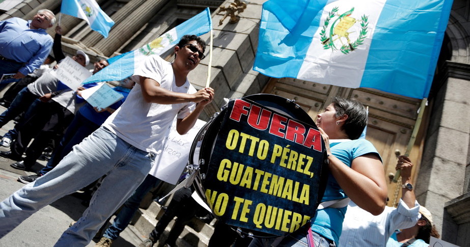 Guatemalans demand prosecution of ex President Otto Perez on corruption charges