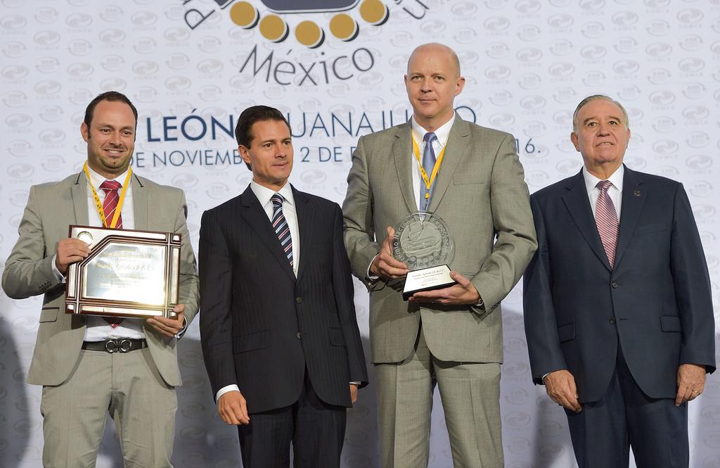 Mexican President Enrique Peña Nieto with Export Executives