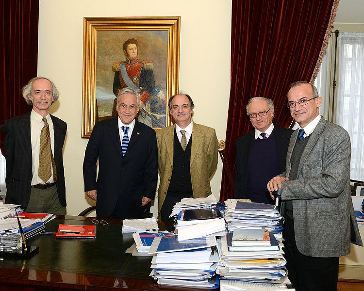 Sebastían Piñera (second from left) with Chilean businessmen