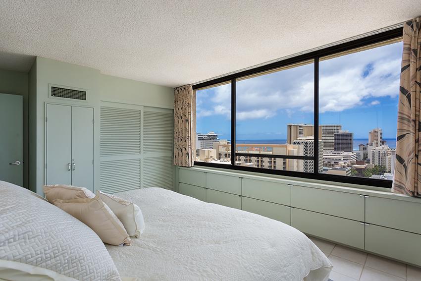 Bedroom 2 MLS.jpg