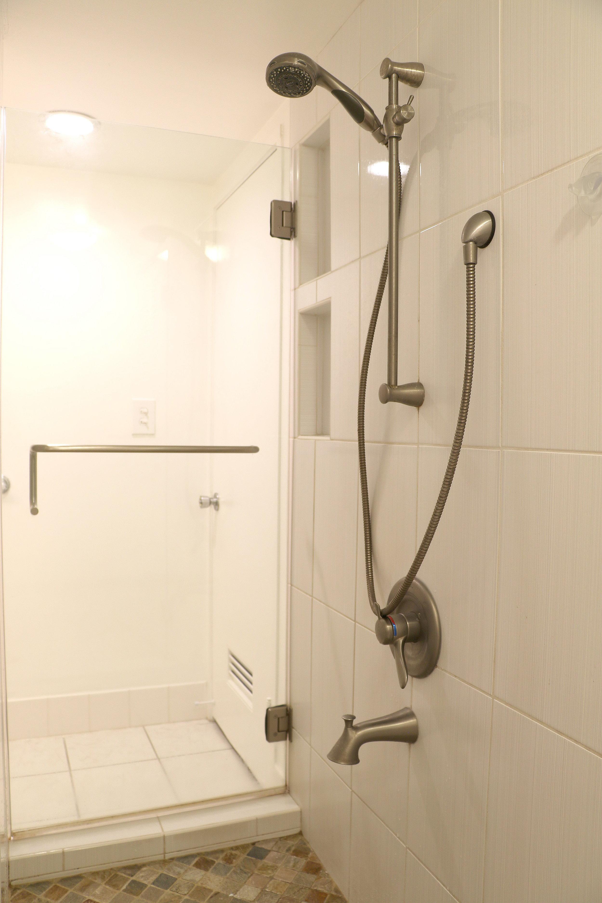 bathroom 1_4.jpg