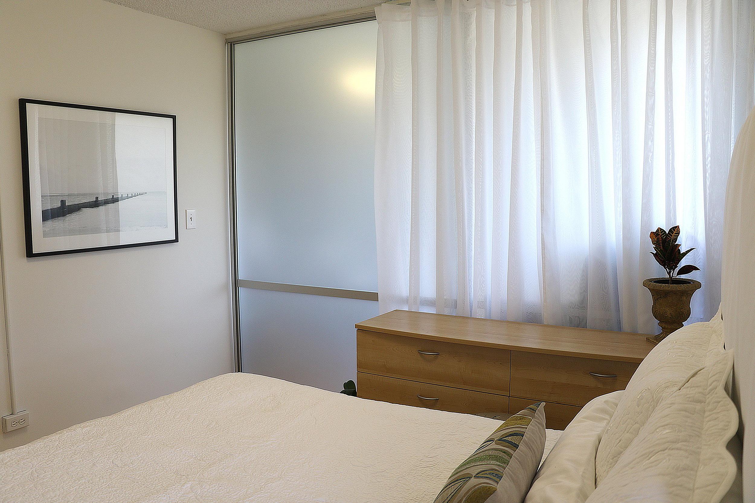bedroom 1_2.jpg