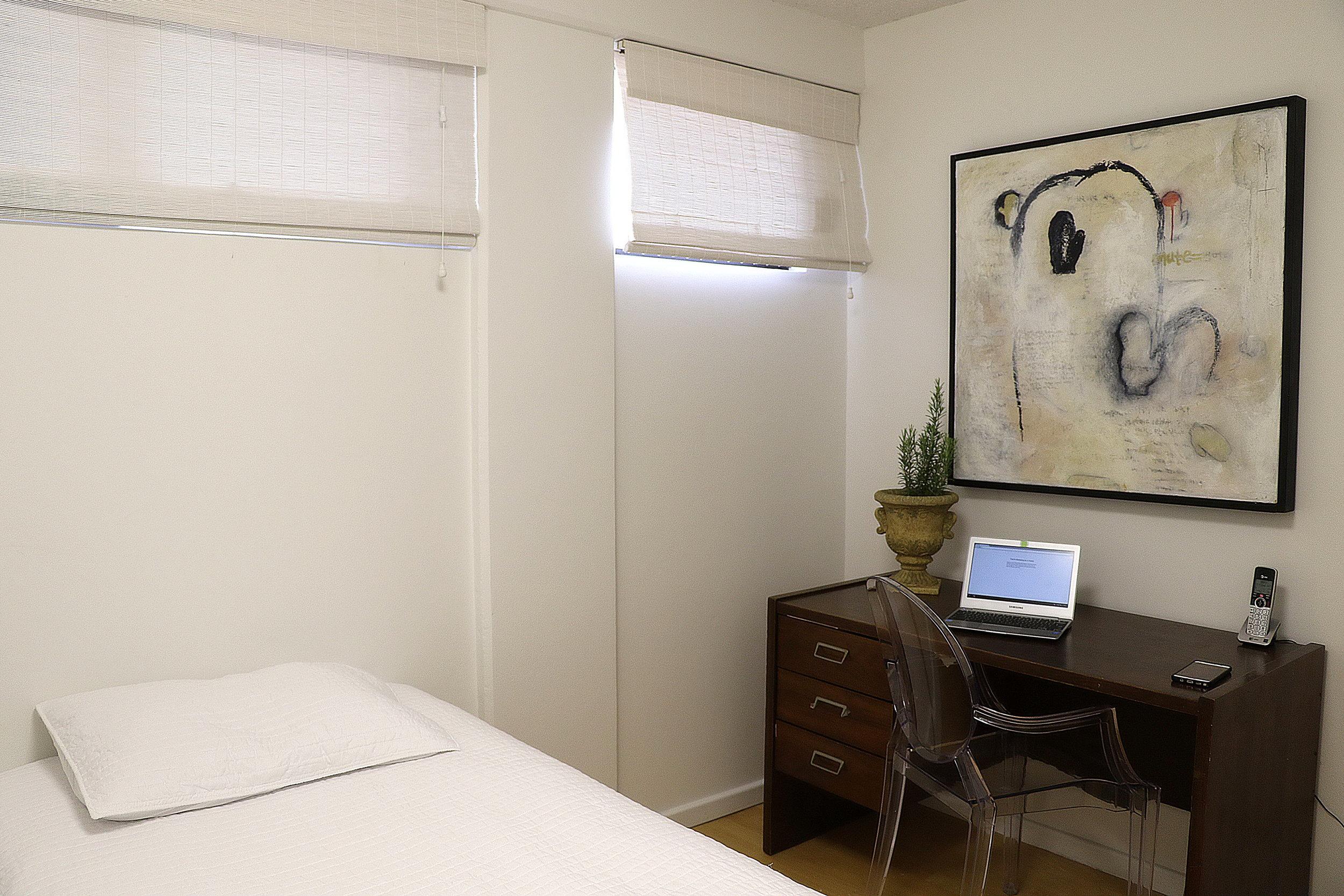 bedroom 2_2.jpg