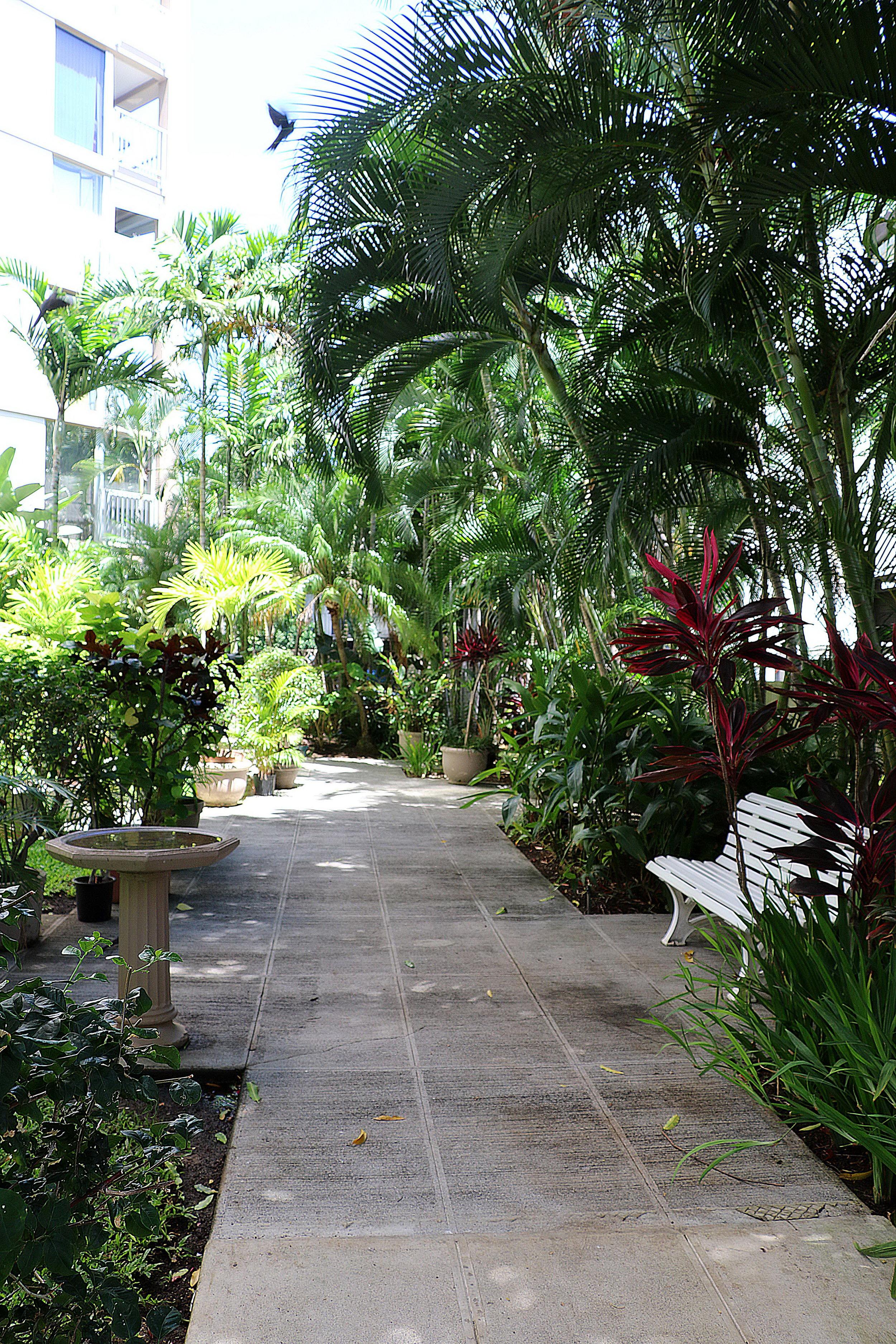 lobby walkway 1.jpg