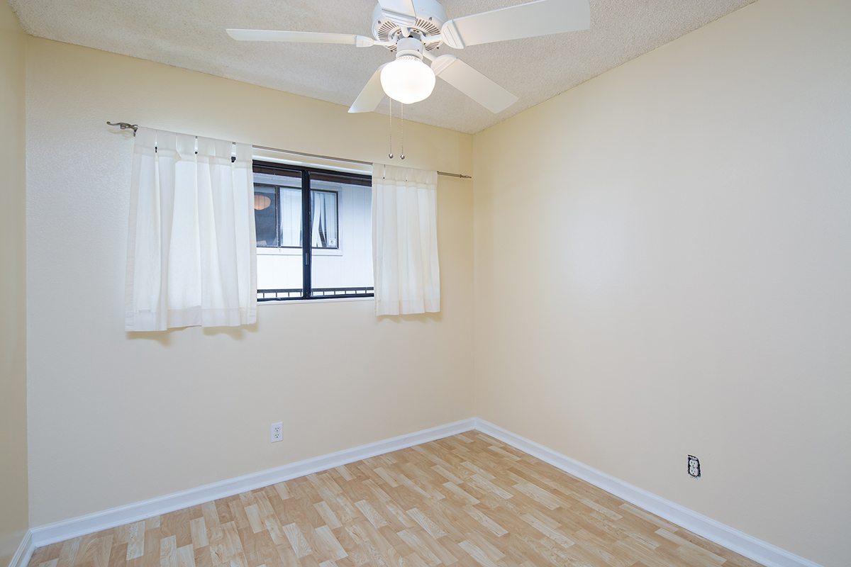 Bedroom 3 MLS.jpg