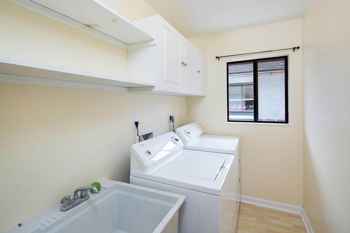 Laundry room MLS.jpg