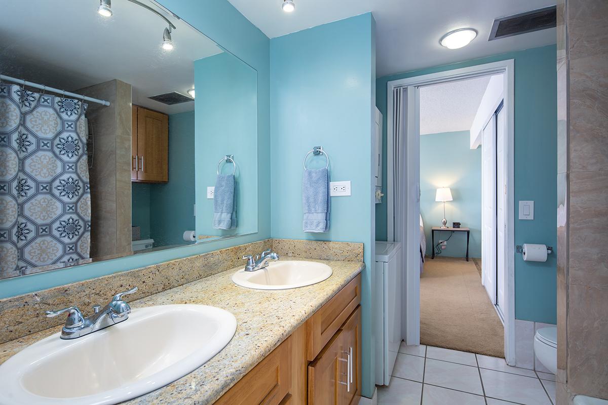 7. Bathroom MLS.jpg