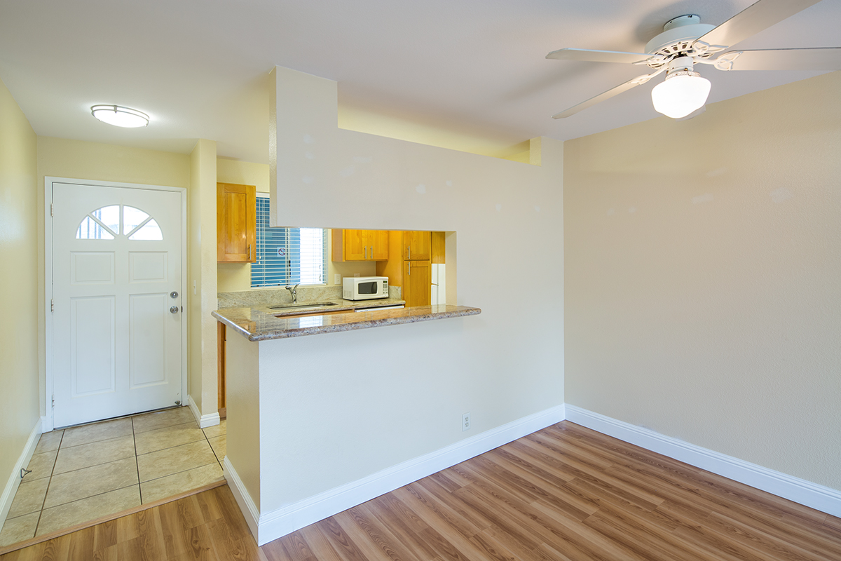 5 Kitchen 1 MLS.jpg