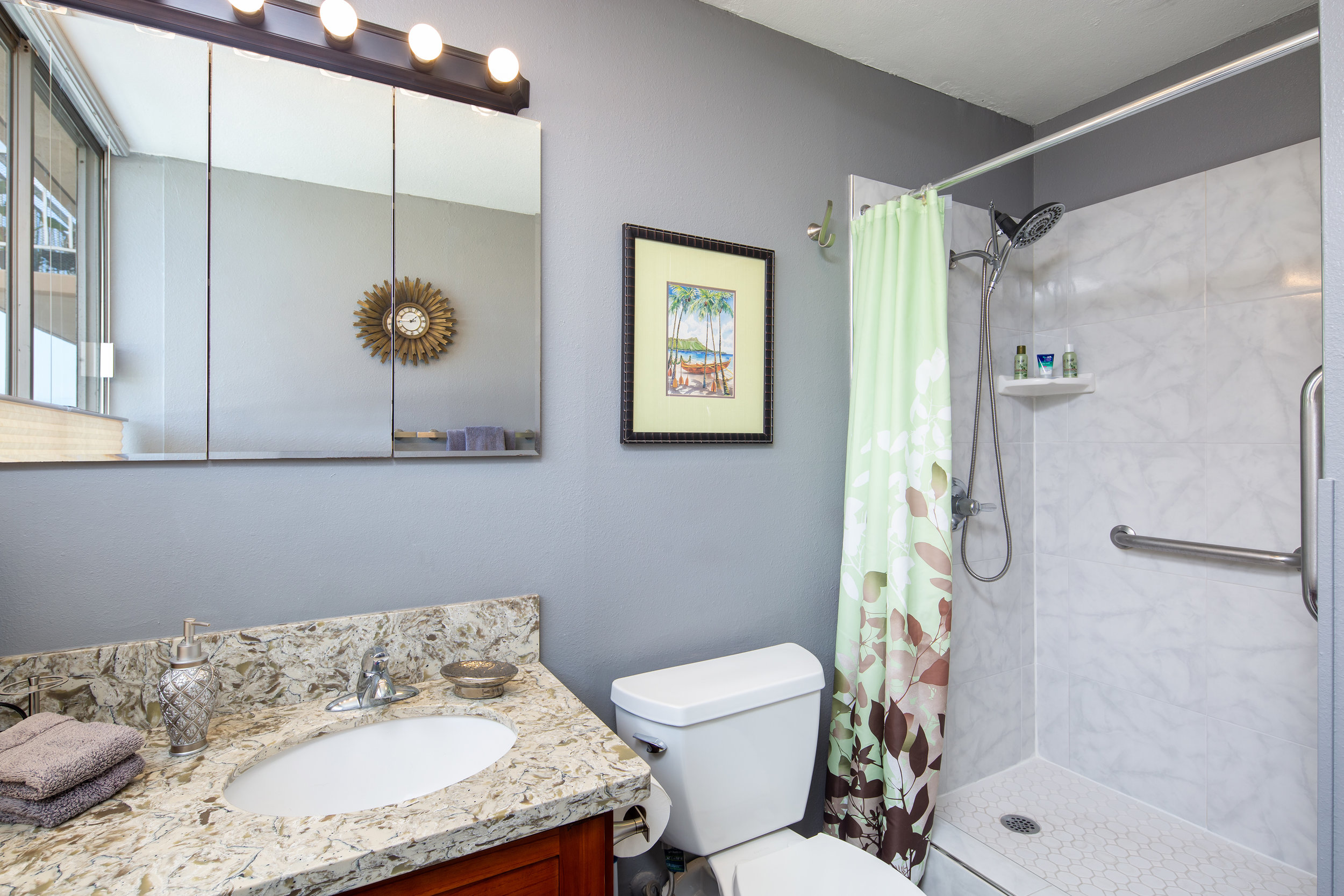 Bathroom 1.2.jpg