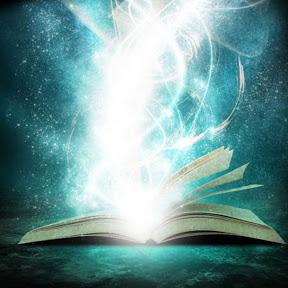 Che libro mi (s)consigli?? - Viky è una ragazza con davvero moltissimi interessi, tra cui la lettura, la scrittura, i manga, gli anime, i videogames e la pasticceria.Il suo canale youtube