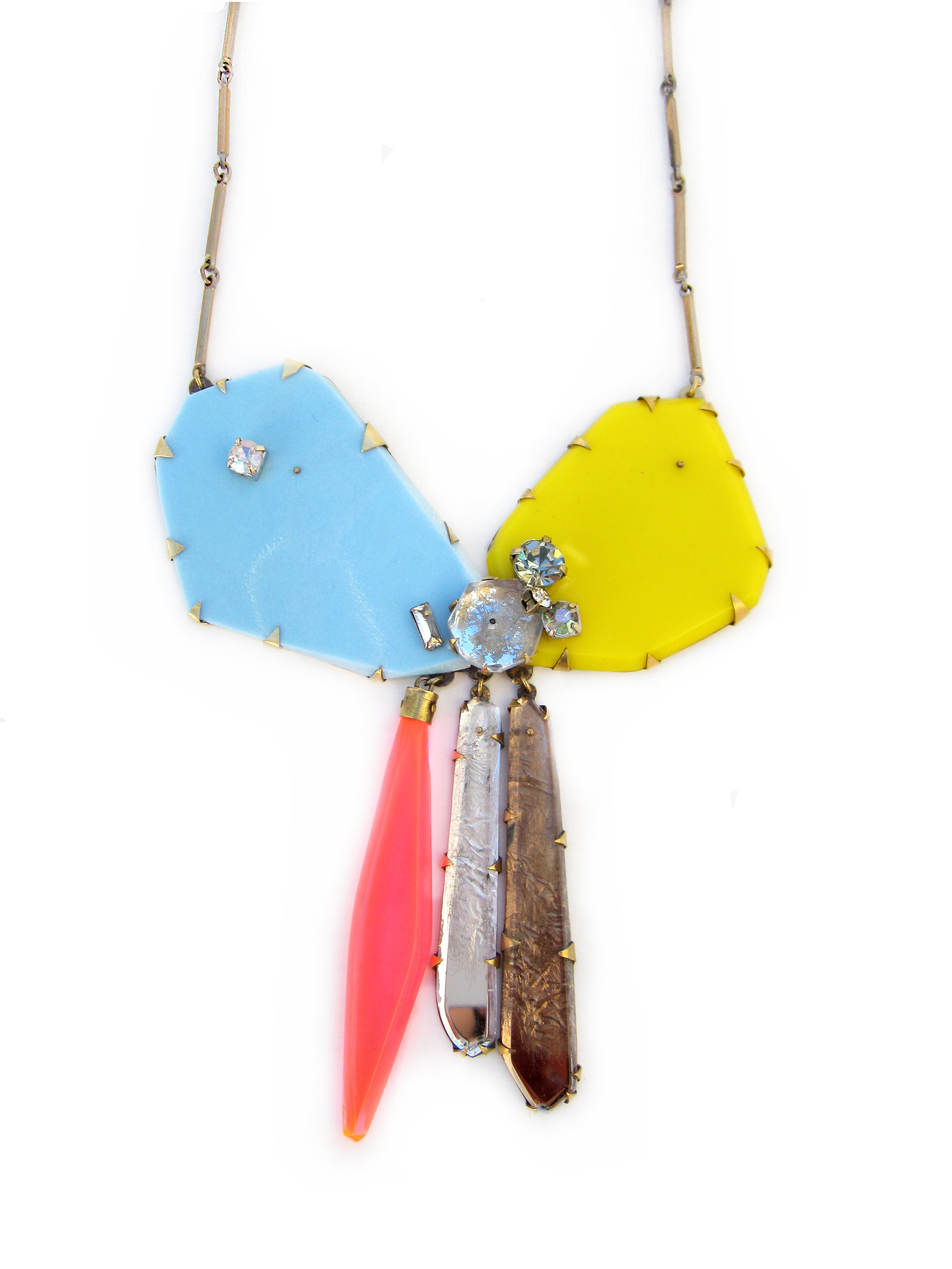bow necklace.jpg
