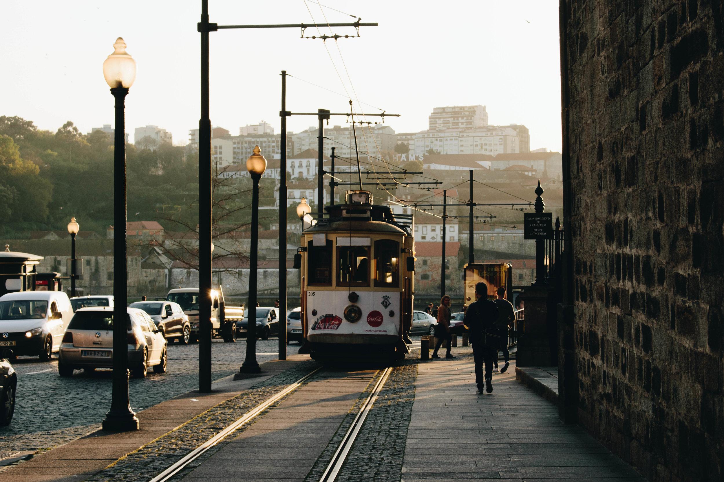 Bimmelbahn-Porto-Brown-Leather-Book