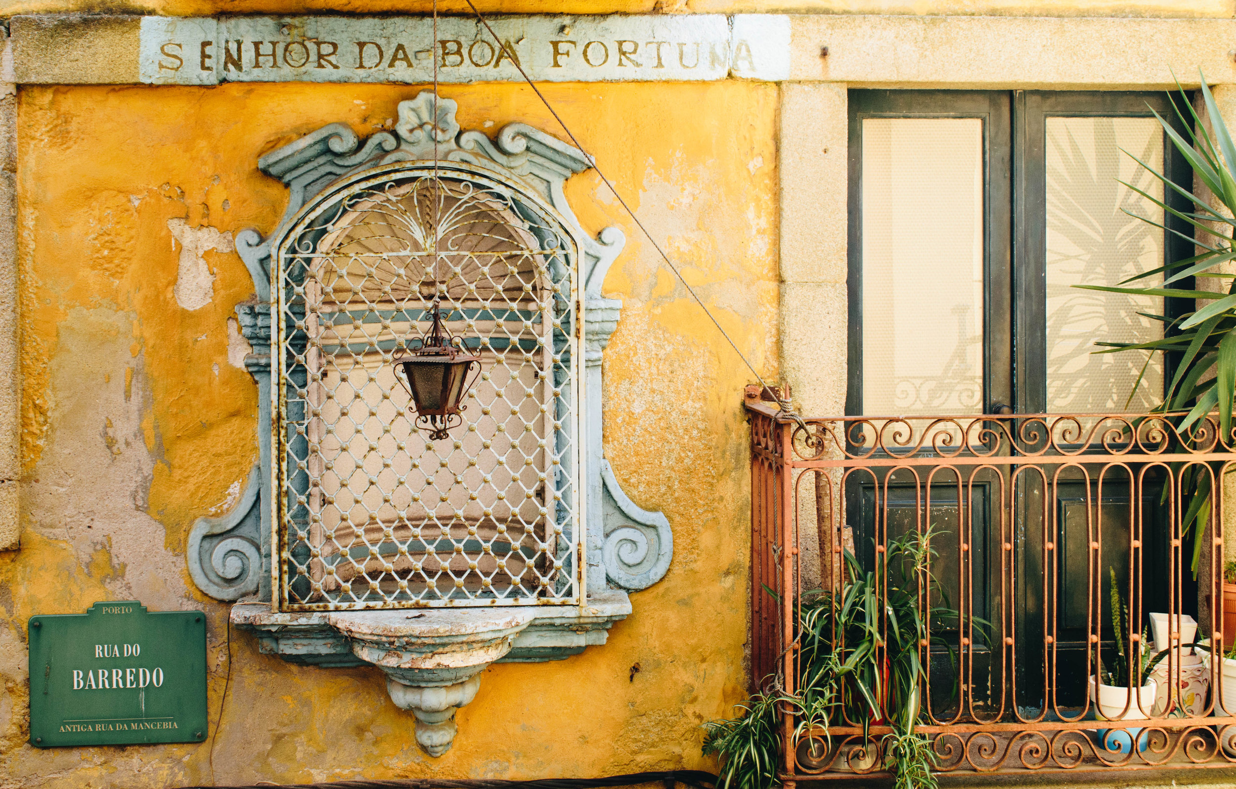 Good-Fortune-Porto-Portugal-Brown-Leather-Book