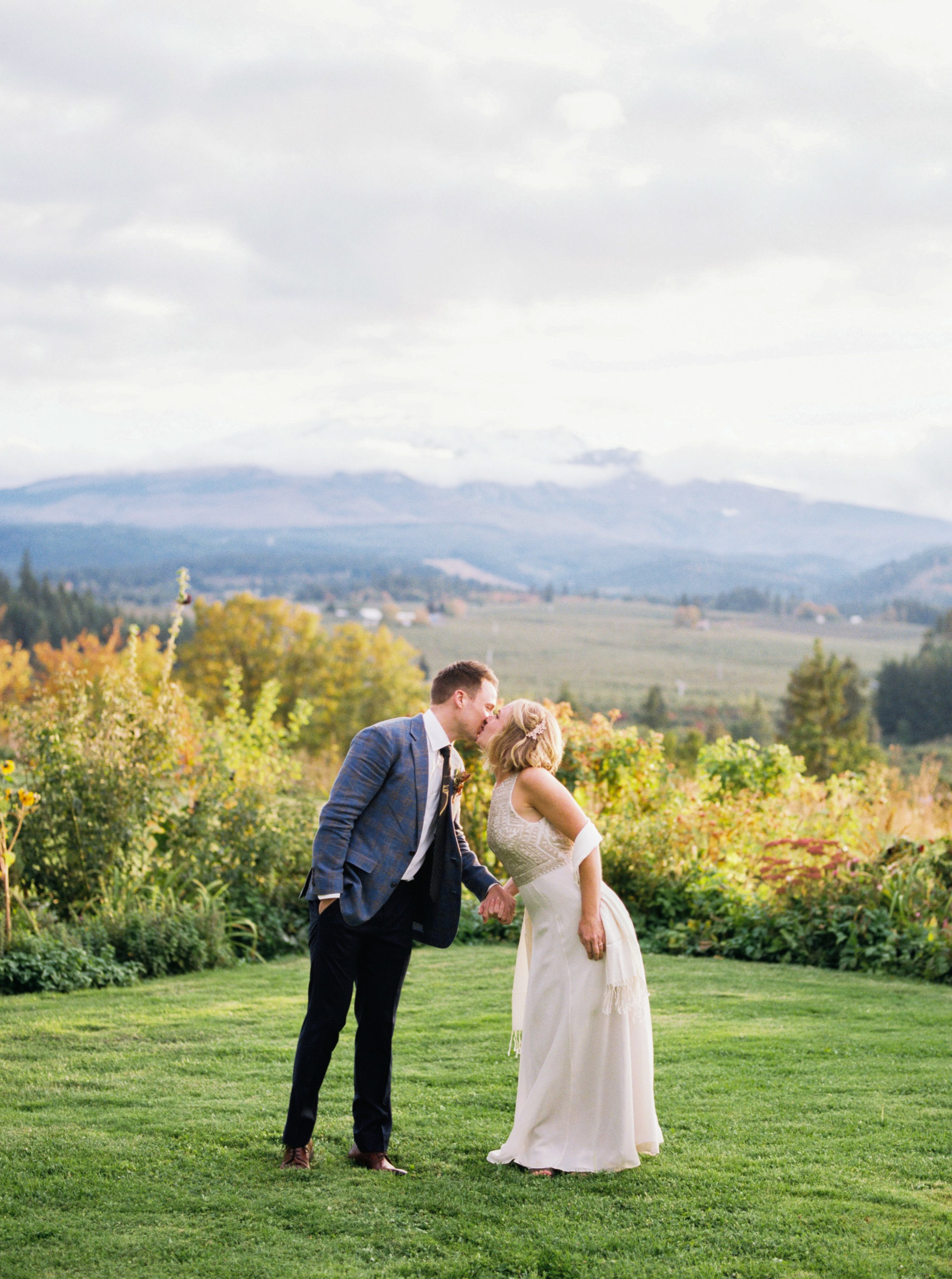 MATTHEW + NAOMI - Mt Hood Organic Farms, Hood River Oregon