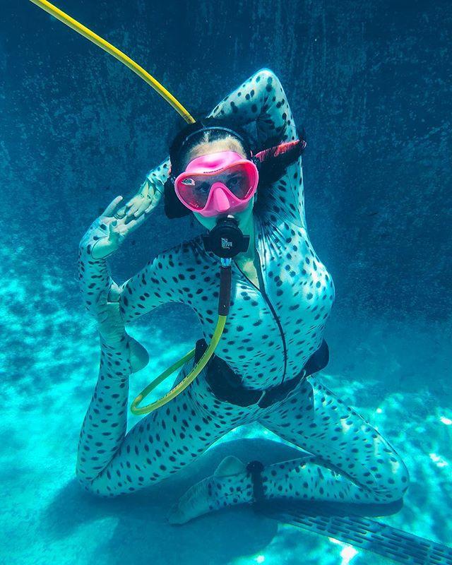 Ariel Yoga 🧜🏼♀️🧘🏻♀️💦 … 📸 | @scubazac Endangered Leopard Shark Dive Skin | @slipinsurfskins