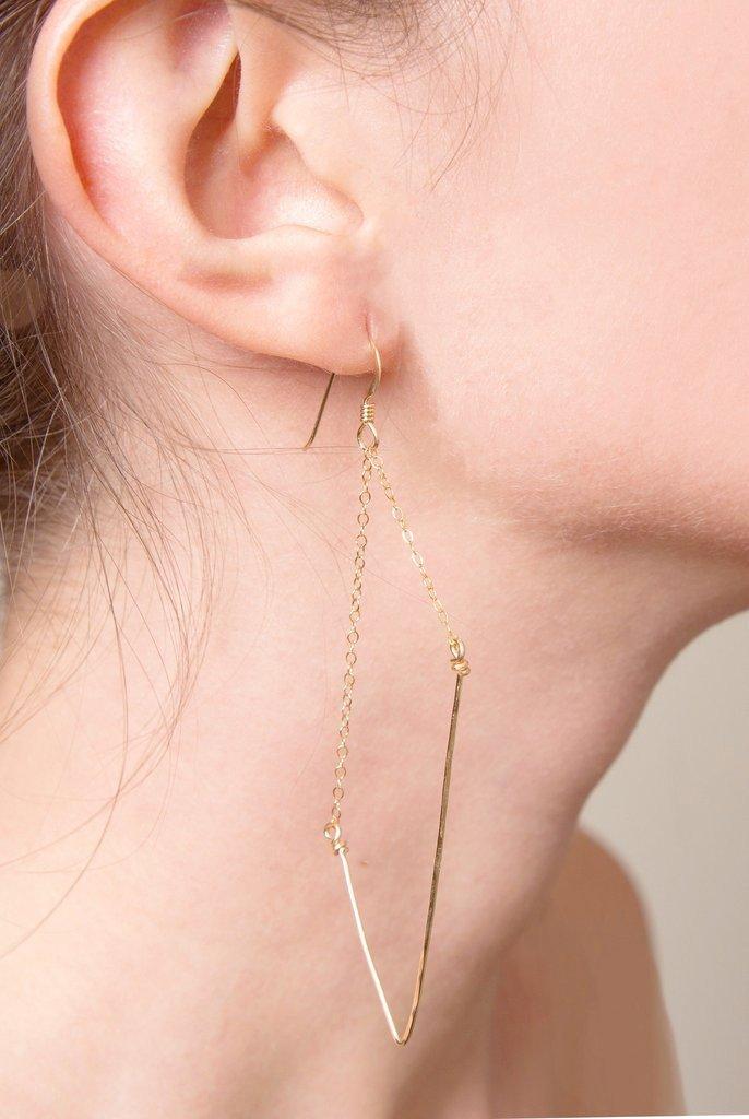 Rochelle_Gold_Asymmetrical_Earrings_1024x1024_d5148f0c-6973-4ff1-ba16-7d6e9d2e16f2.jpg