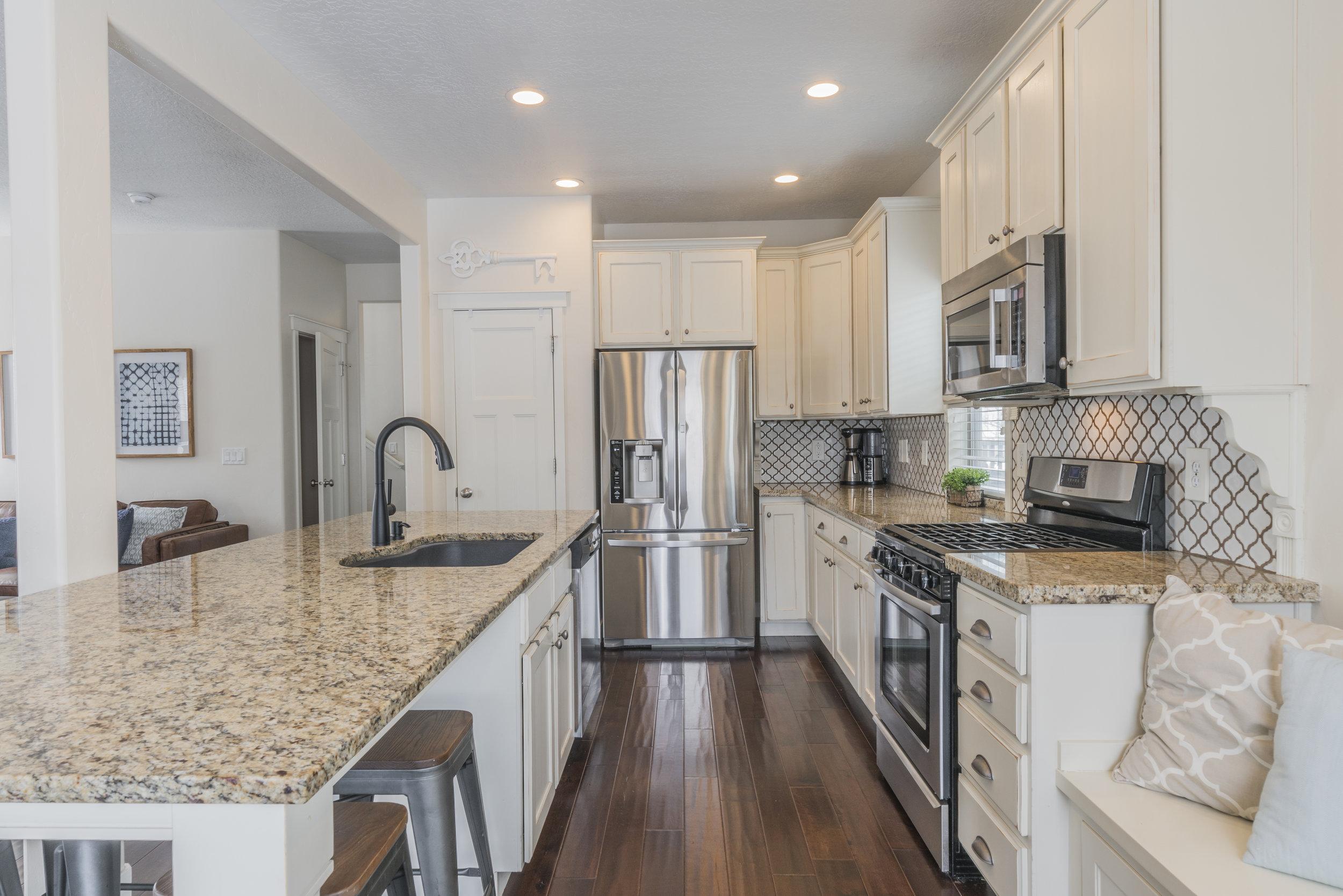 Photo-105411-Kitchen-014.jpg