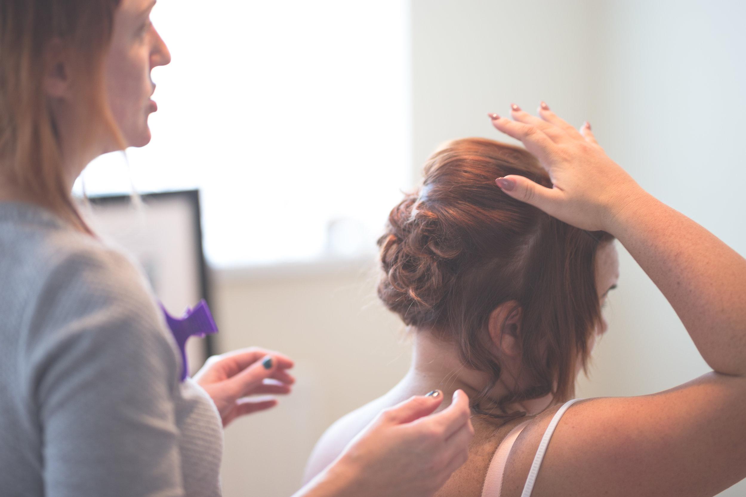 Antoinette & Stephen - Bridal Preparations | Brian McEwan Photography | Wedding Photographer Northern Ireland 97.jpg