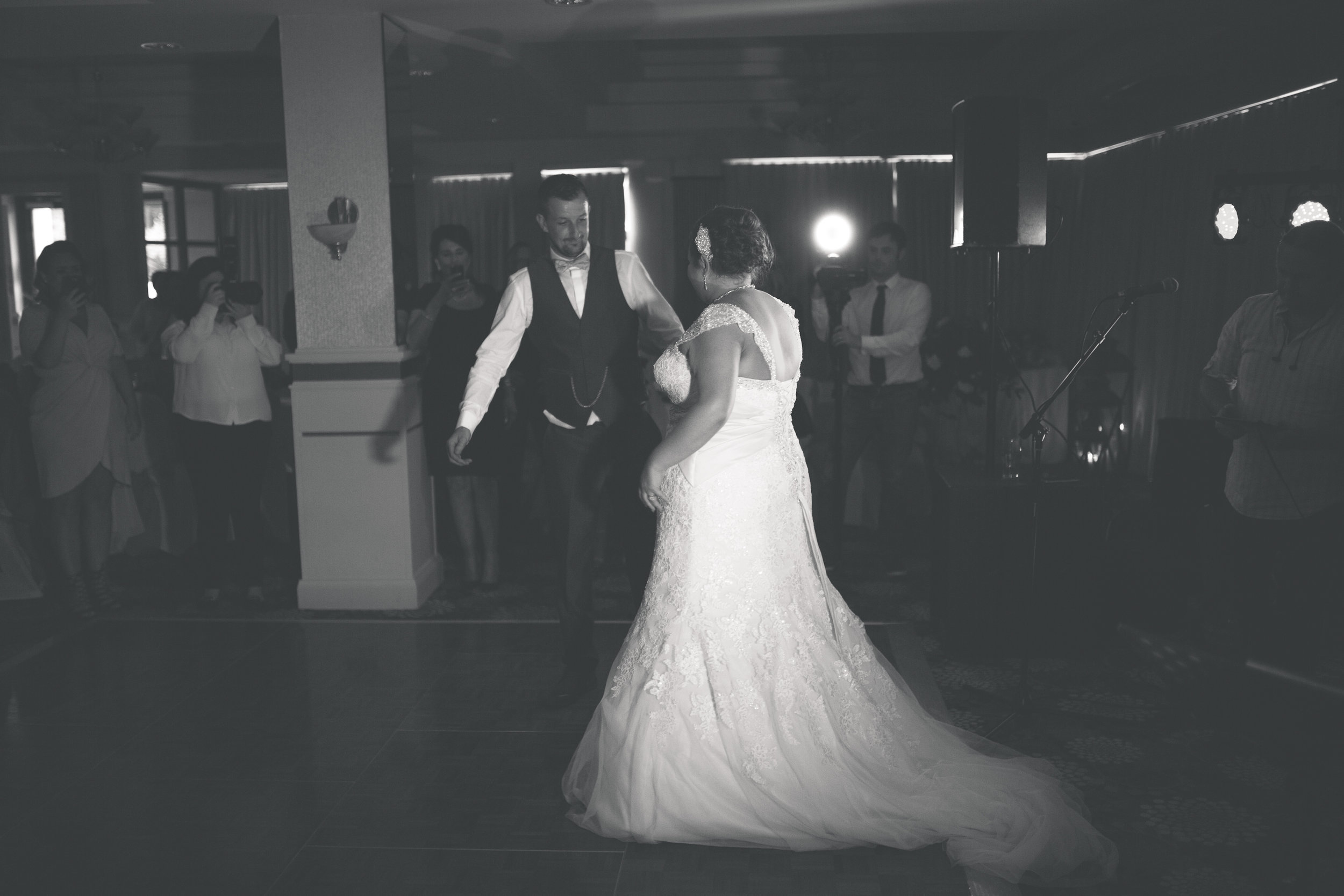 Antoinette & Stephen - First Dance | Brian McEwan Photography | Wedding Photographer Northern Ireland 3.jpg