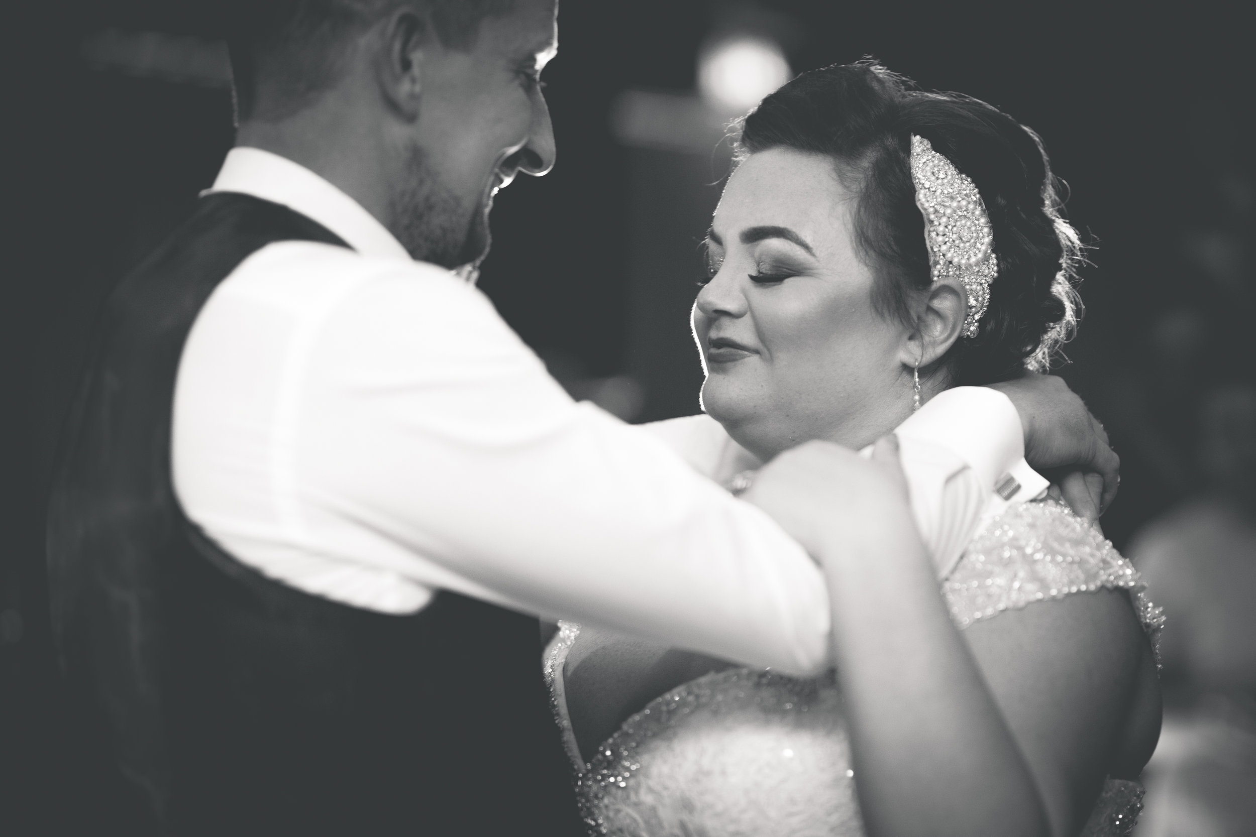 Antoinette & Stephen - First Dance | Brian McEwan Photography | Wedding Photographer Northern Ireland 23.jpg