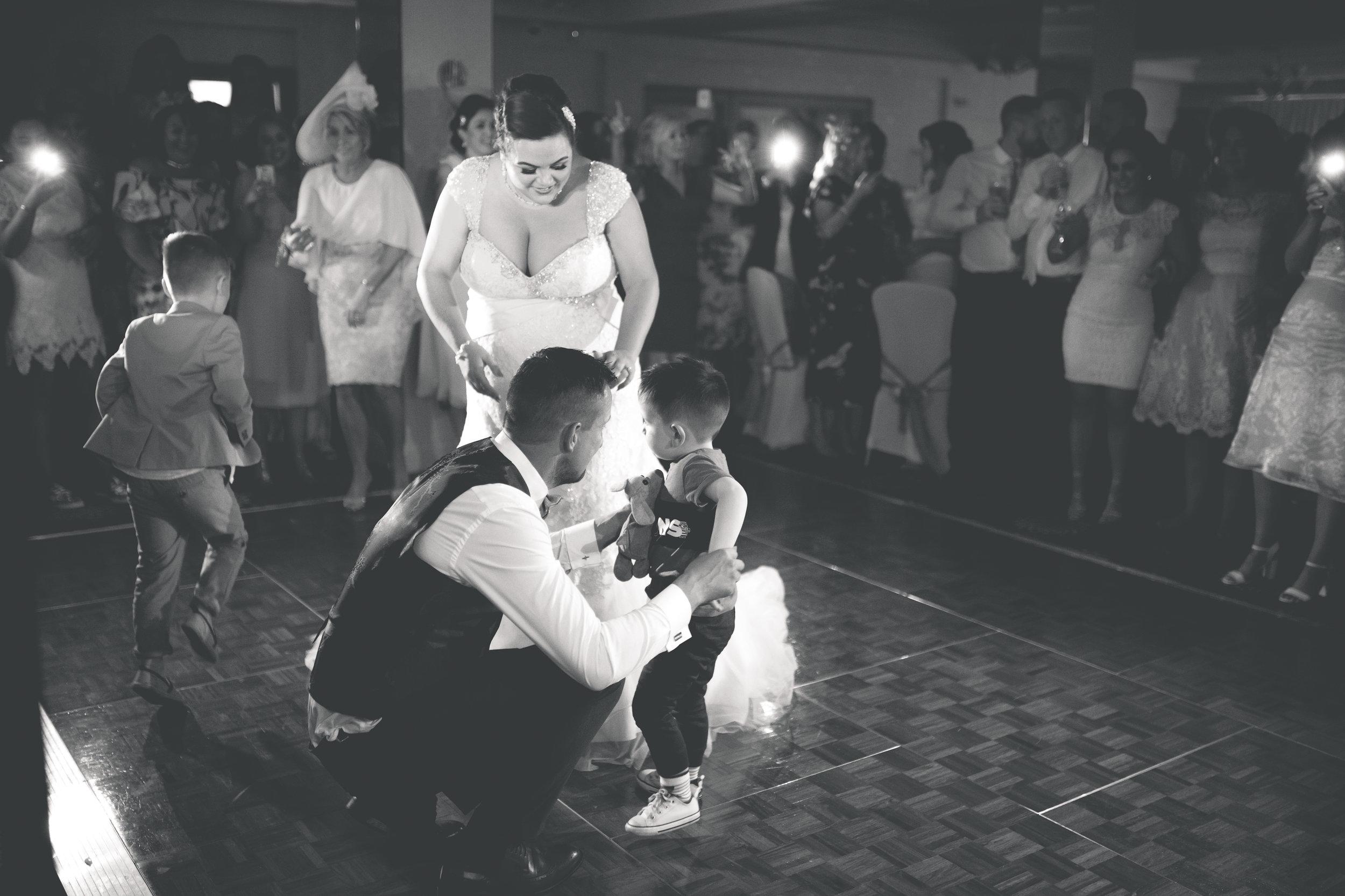 Antoinette & Stephen - First Dance | Brian McEwan Photography | Wedding Photographer Northern Ireland 24.jpg