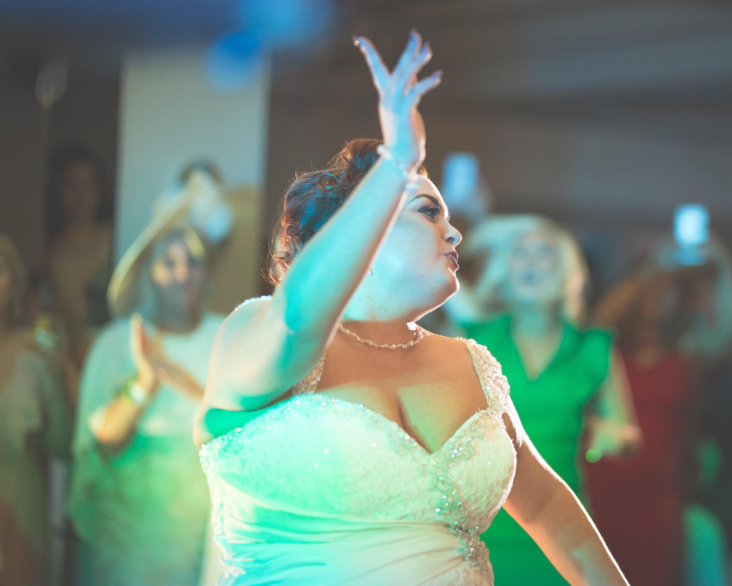 Antoinette & Stephen - First Dance | Brian McEwan Photography | Wedding Photographer Northern Ireland 29.jpg