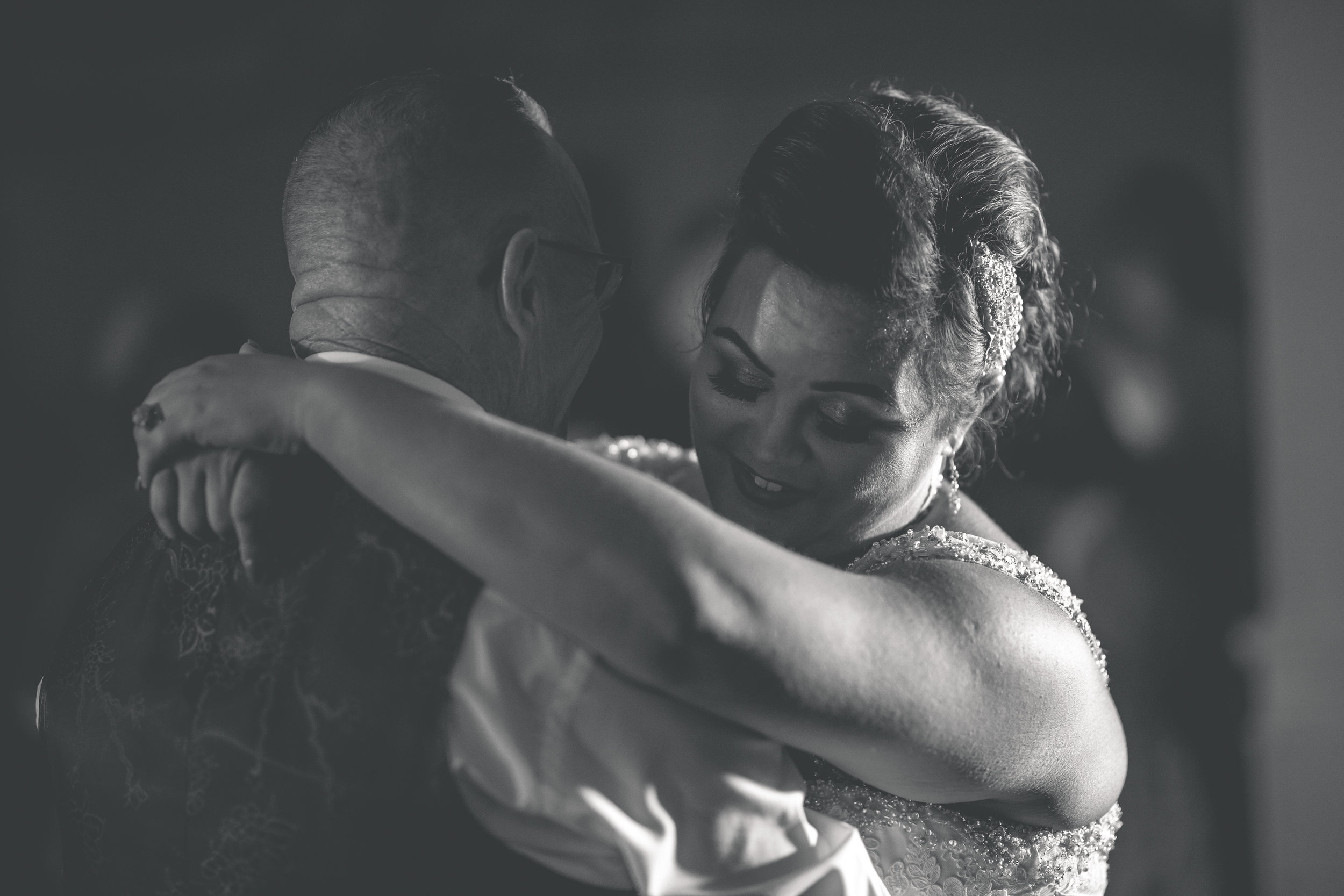 Antoinette & Stephen - First Dance | Brian McEwan Photography | Wedding Photographer Northern Ireland 43.jpg