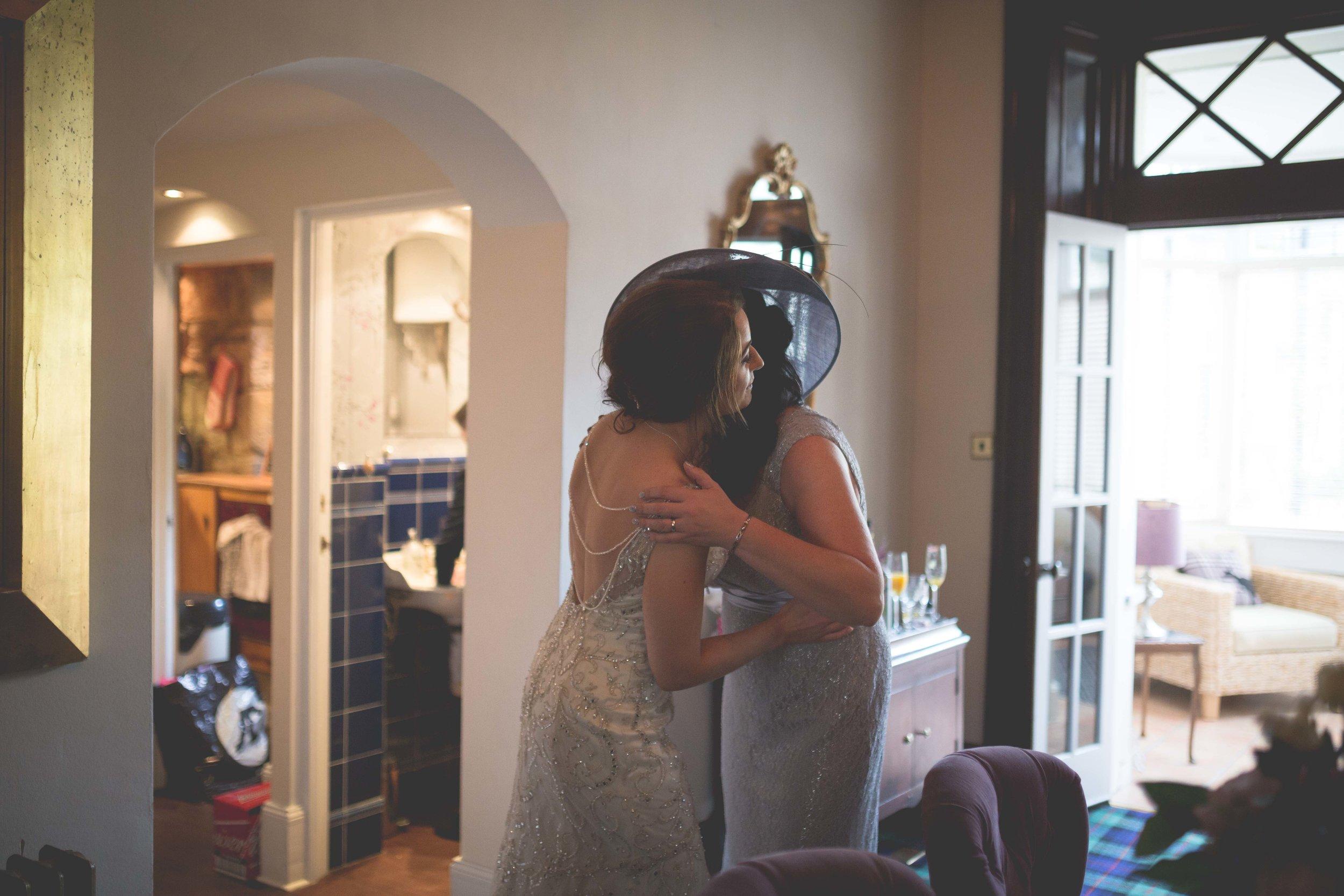 David & Gillian - Bridal Preparations-177.jpg
