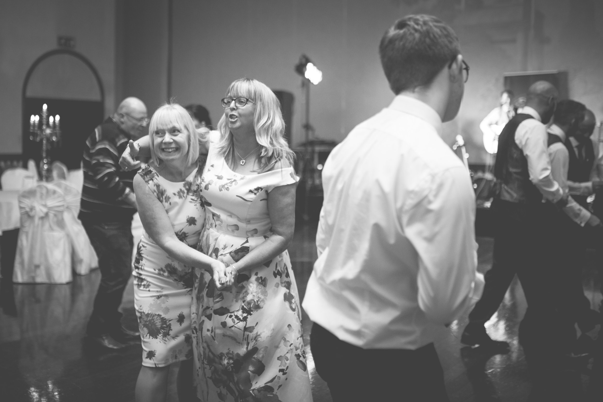 Clare & Colm - Dancing -32.jpg